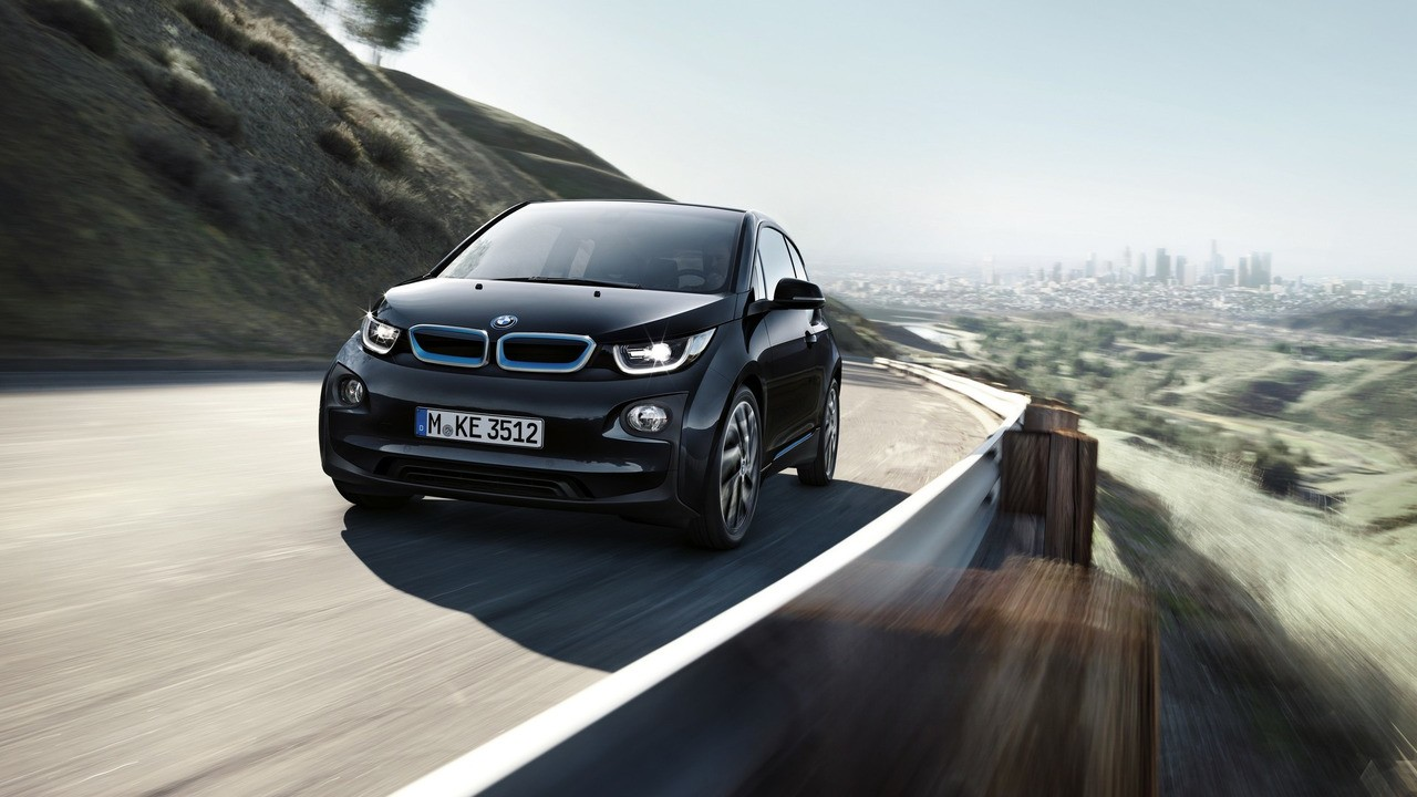 2017 bmw i3 gets range increase thanks to 33 kwh battery autoevolution. Black Bedroom Furniture Sets. Home Design Ideas