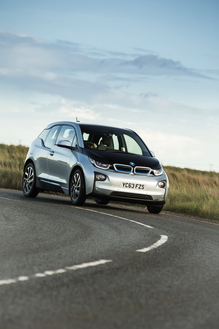 2017 bmw i3 promises 50 percent more range autoevolution. Black Bedroom Furniture Sets. Home Design Ideas