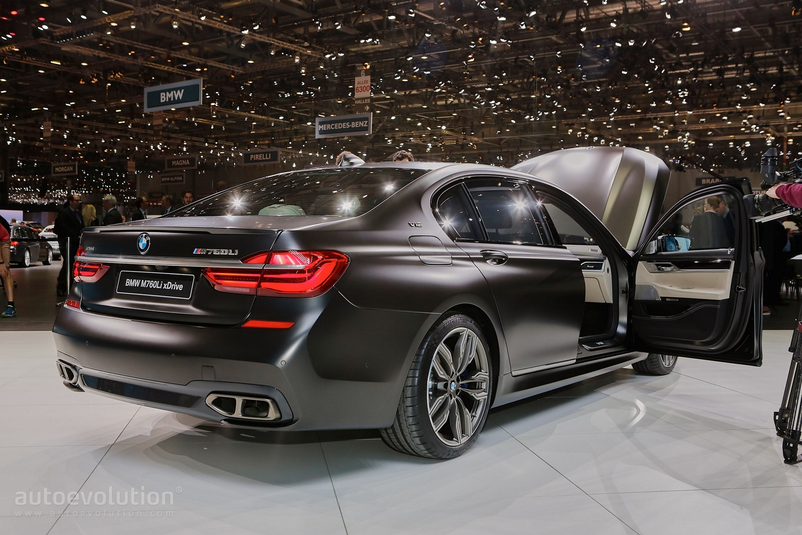 BMW MLi XDrive Gets Extra HP As It Chases The Alpina B - Bmw b7 alpina horsepower