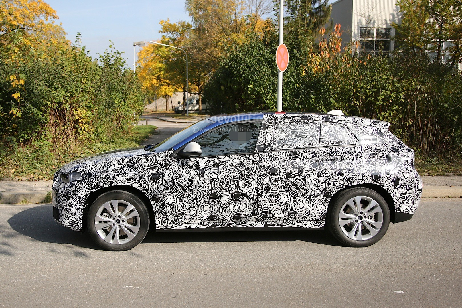 2017 bmw x2 first spy photos show production design of x1. Black Bedroom Furniture Sets. Home Design Ideas