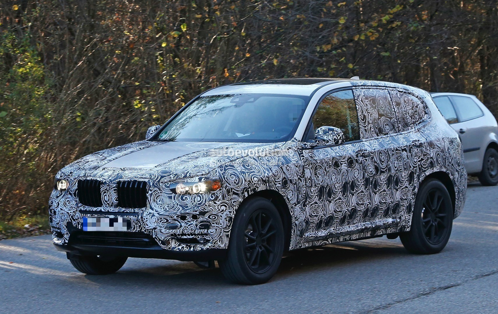 how bmw plans to reinvent the x3 for the 2017 model spyshots autoevolution. Black Bedroom Furniture Sets. Home Design Ideas