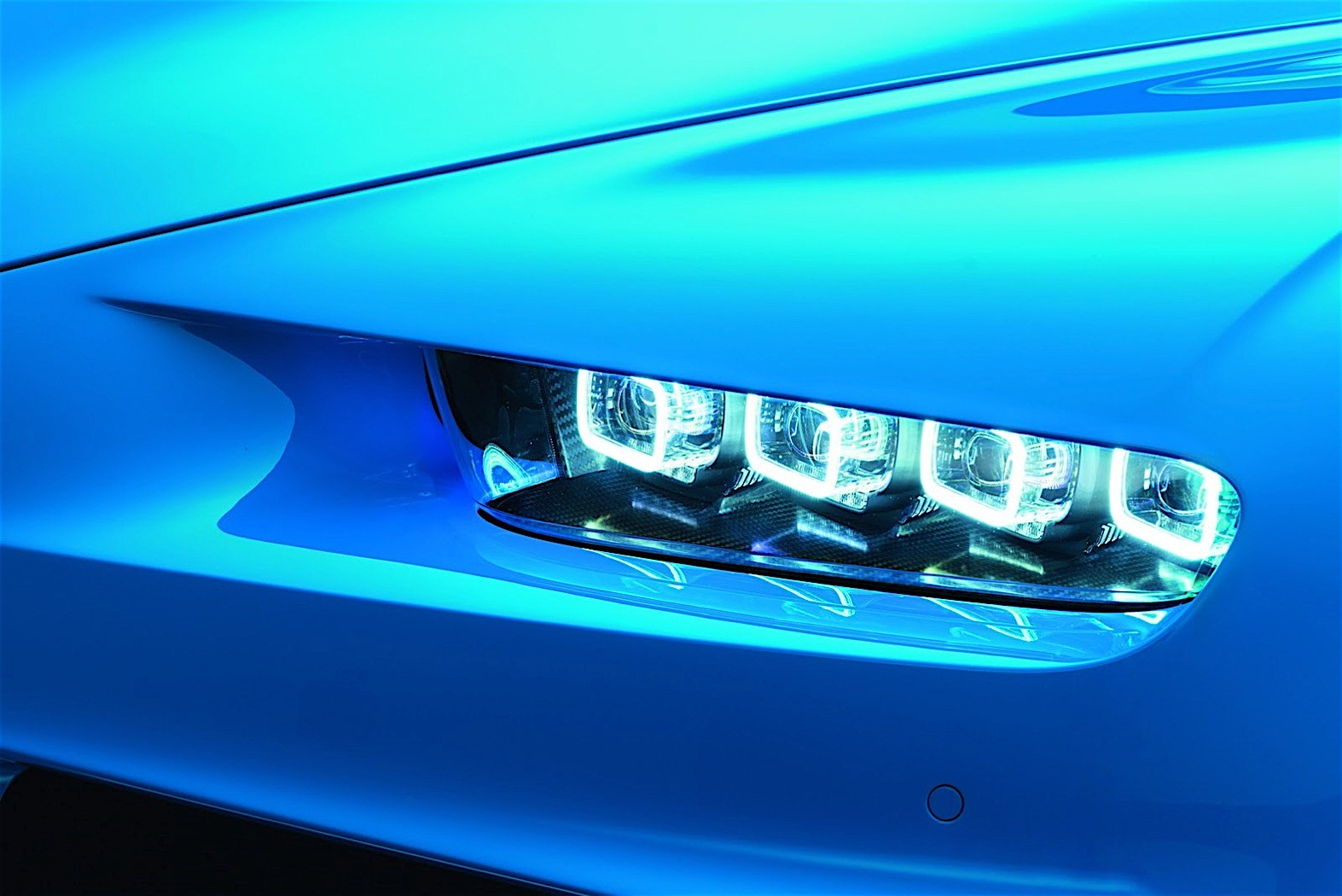 2017 bugatti chiron lets its quad turbocharged w16 loose autoevolution. Black Bedroom Furniture Sets. Home Design Ideas