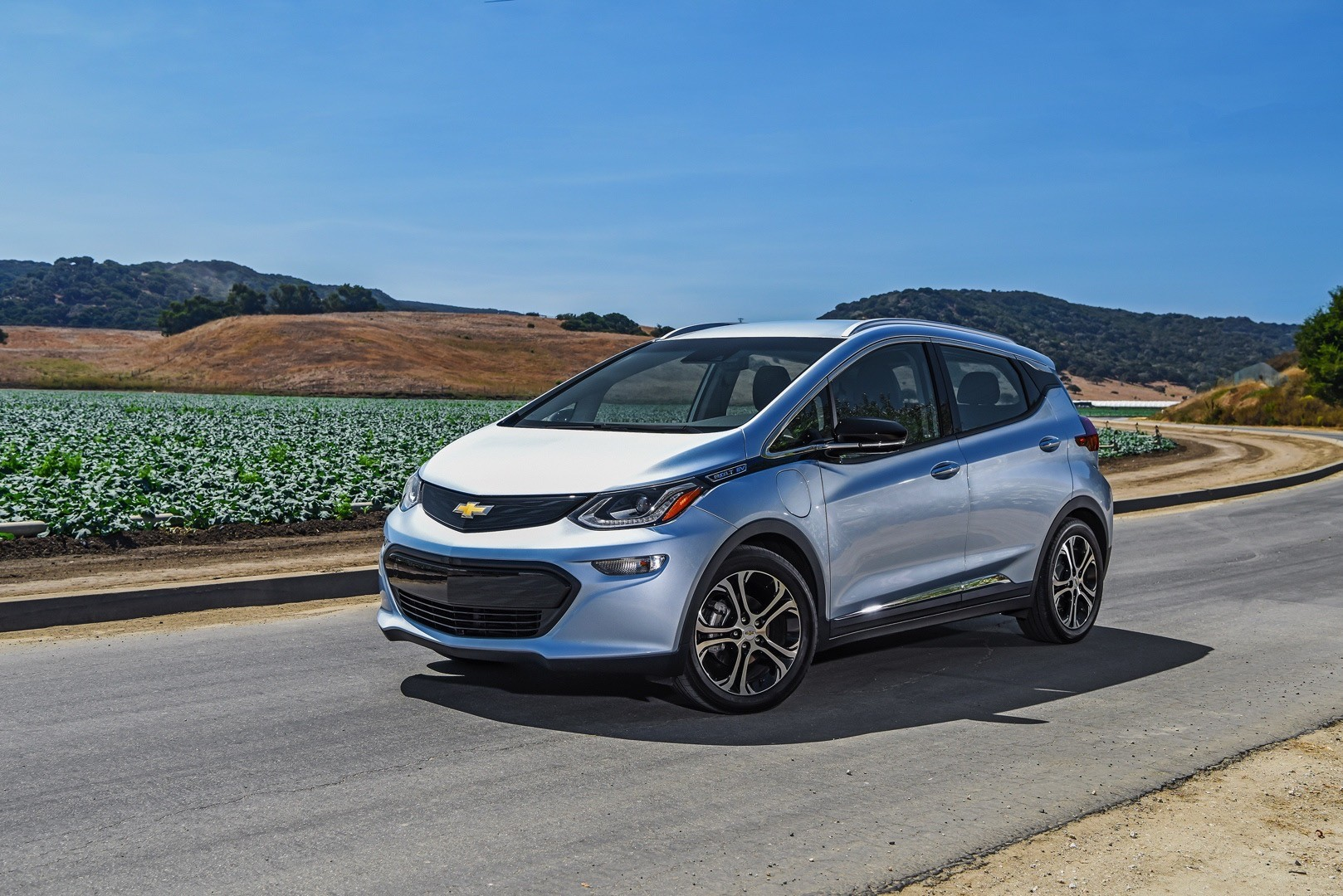 2017 chevrolet bolt order guide confirms lack of adaptive. Black Bedroom Furniture Sets. Home Design Ideas