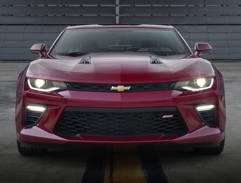 2017 chevrolet corvette  u0026 2016 chevrolet camaro priced in europe