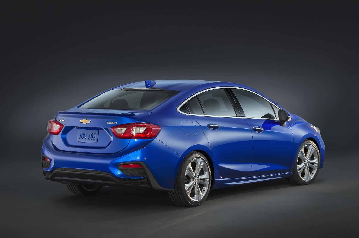 2017 chevrolet cruze diesel sedan returns 52 mpg highway priced from 24 670 autoevolution. Black Bedroom Furniture Sets. Home Design Ideas