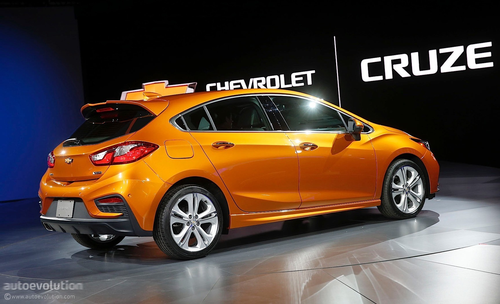 2017 Chevrolet Cruze Hatchback Priced From $22,190 ...