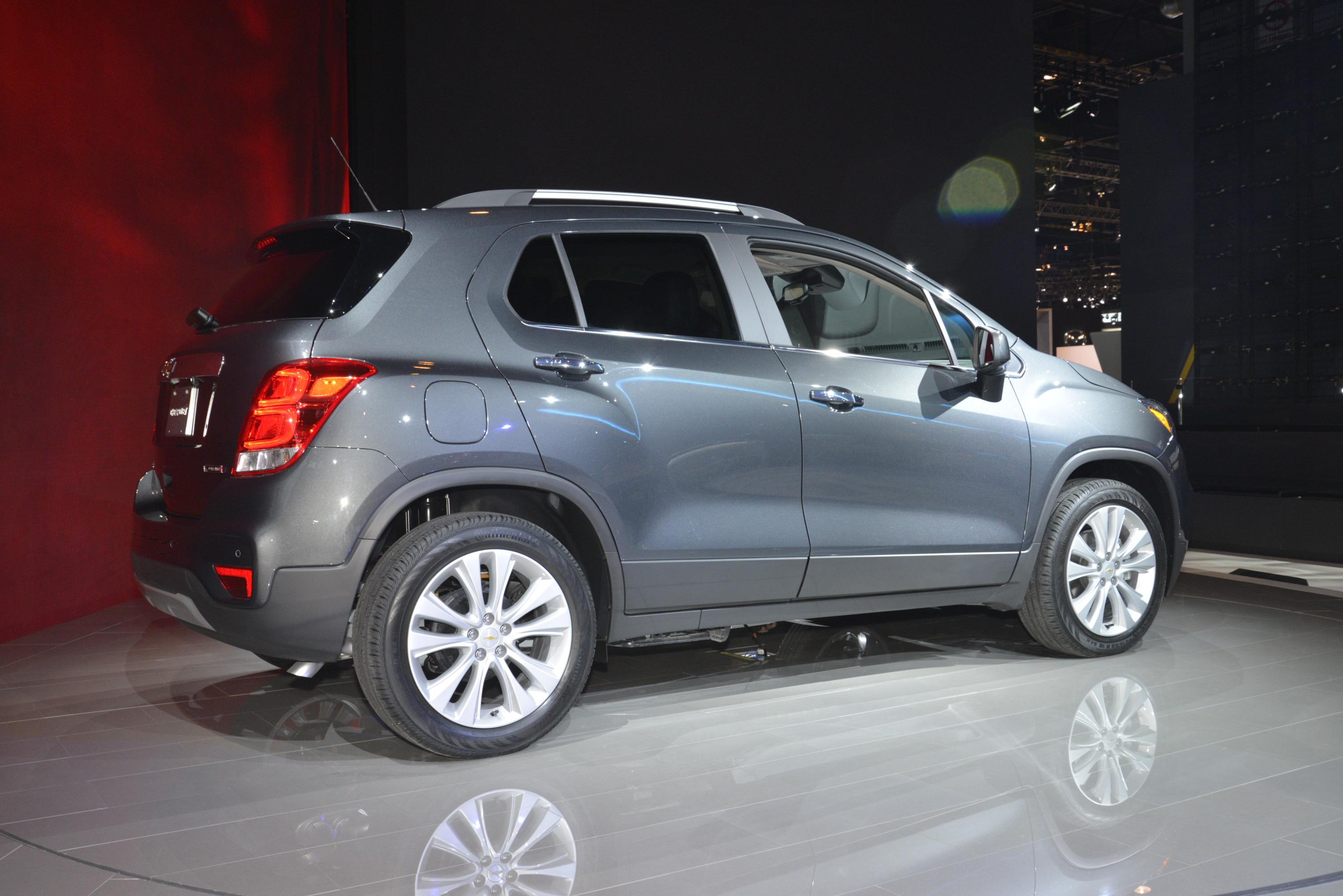 2017 Chevrolet Trax Stops Being Ugly in Chicago - autoevolution