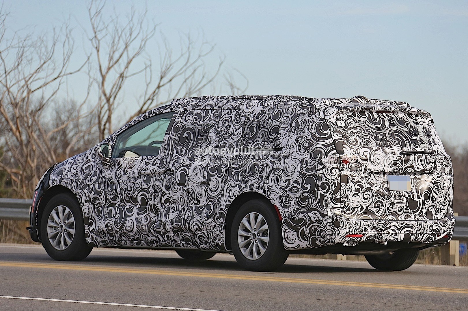 2017 Chrysler Town And Country Spyshots | 2017 - 2018 Best Cars