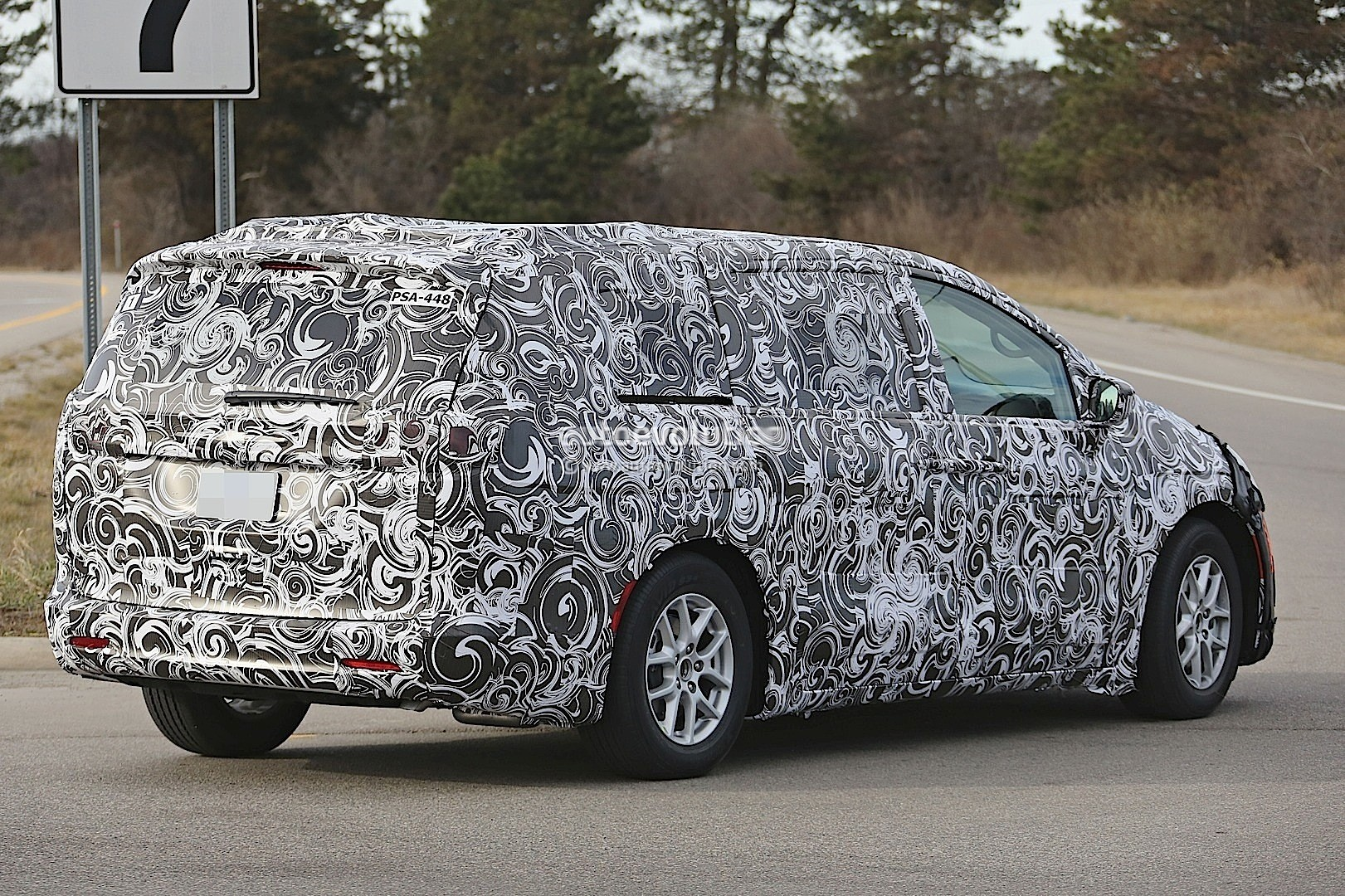 2018 chrysler town and country van. modren 2018 2017 chrysler town and country spyshots in 2018 chrysler town country van