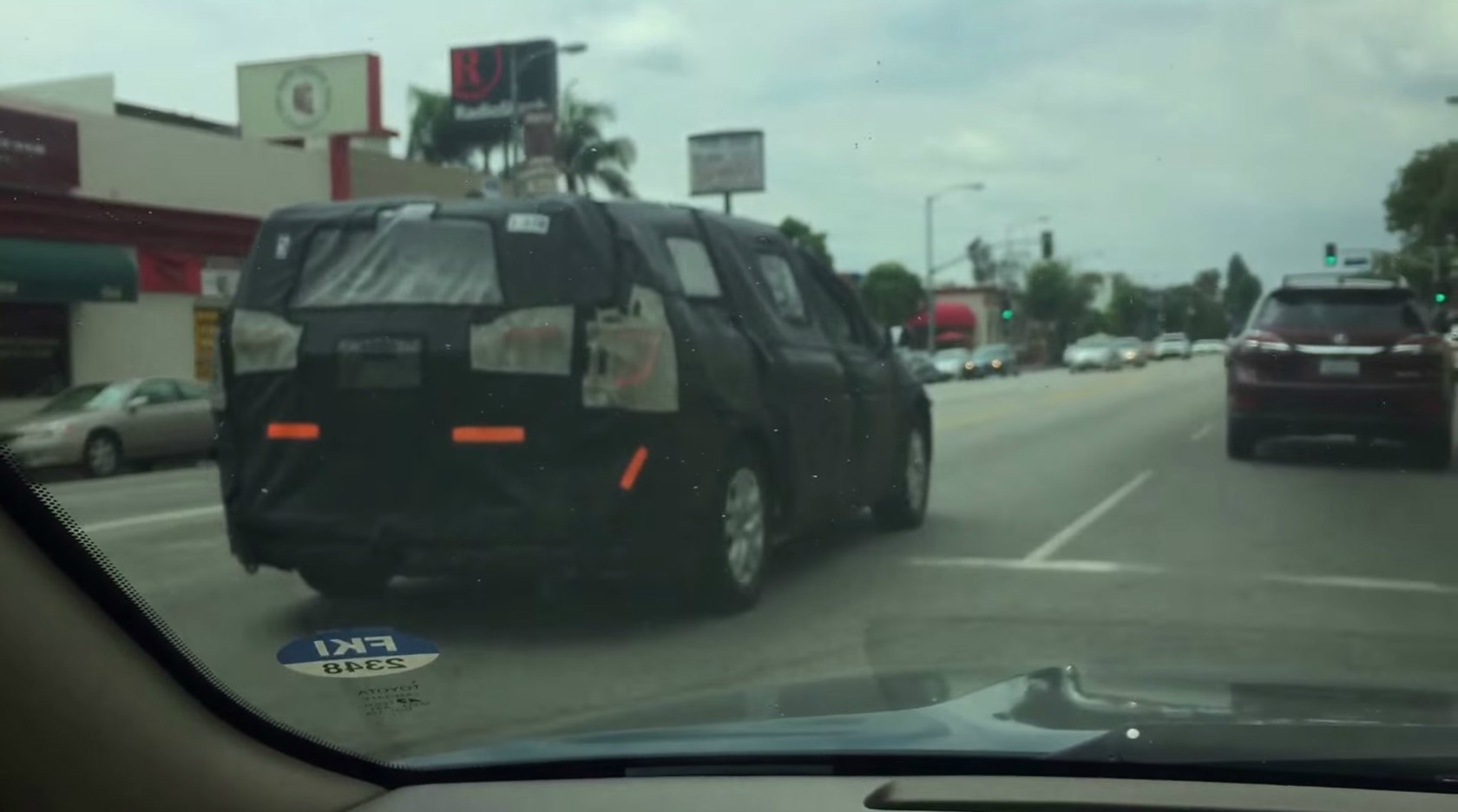 2017 chrysler town country spied dodge grand caravan to live on