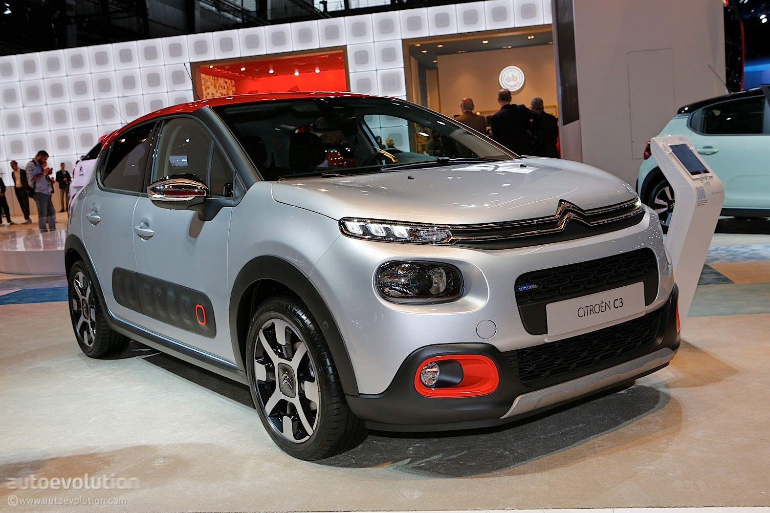 2017 citroen c3 kind of looks like robocop 39 s helmet in paris autoevolution. Black Bedroom Furniture Sets. Home Design Ideas