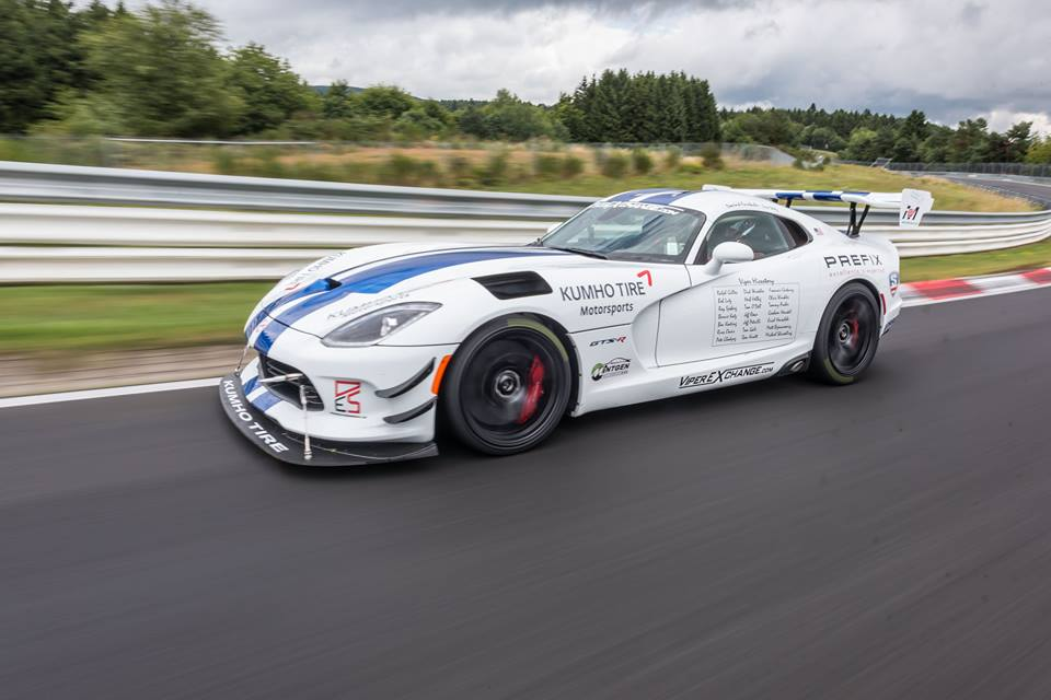 What Does An Elephant Sound Like >> 2017 Dodge Viper GTS-R Does 7:03.4 Nurburgring Lap with One Hand on the Wheel - autoevolution