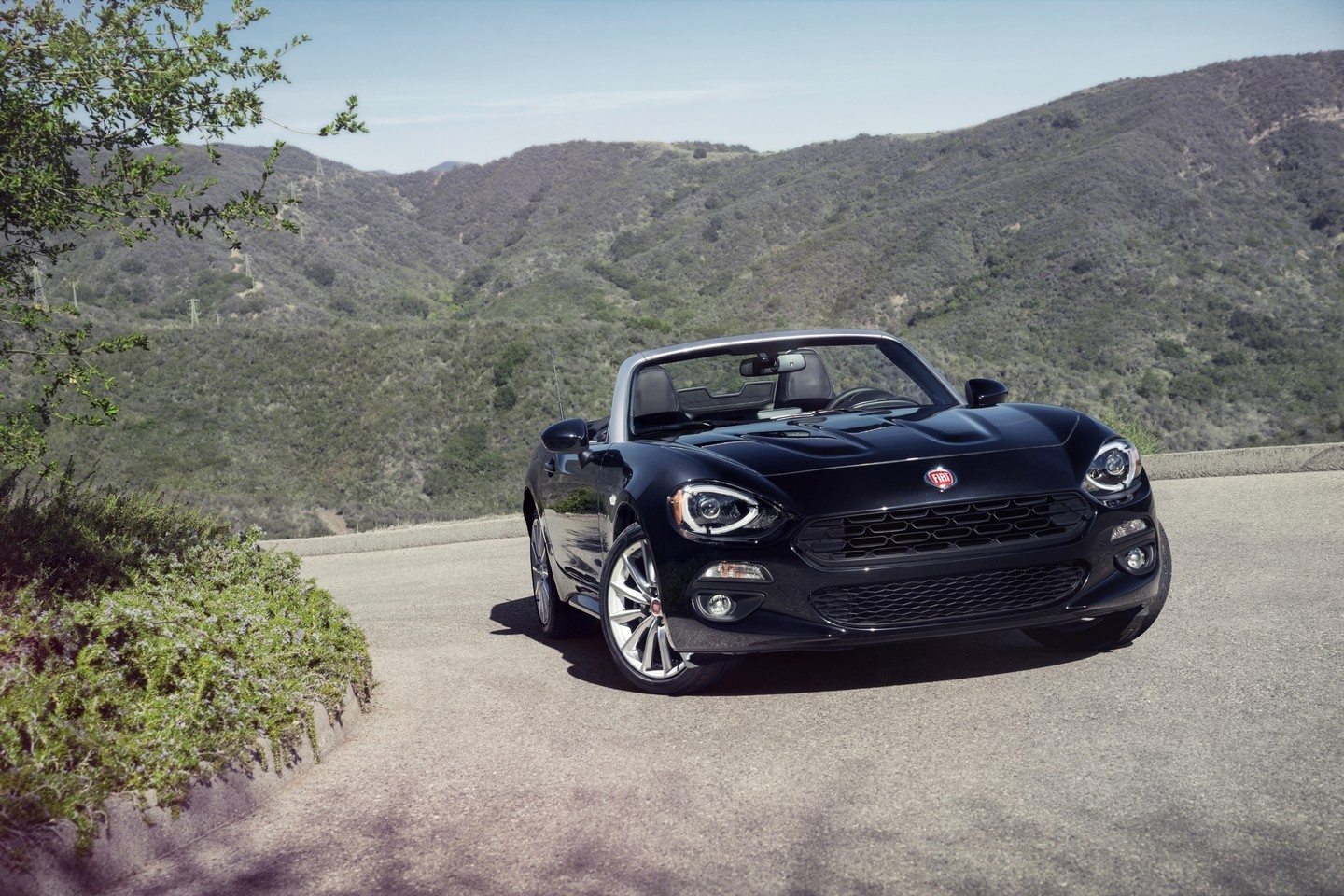 2017 fiat 124 spider revealed the fiata turbo is here autoevolution. Black Bedroom Furniture Sets. Home Design Ideas