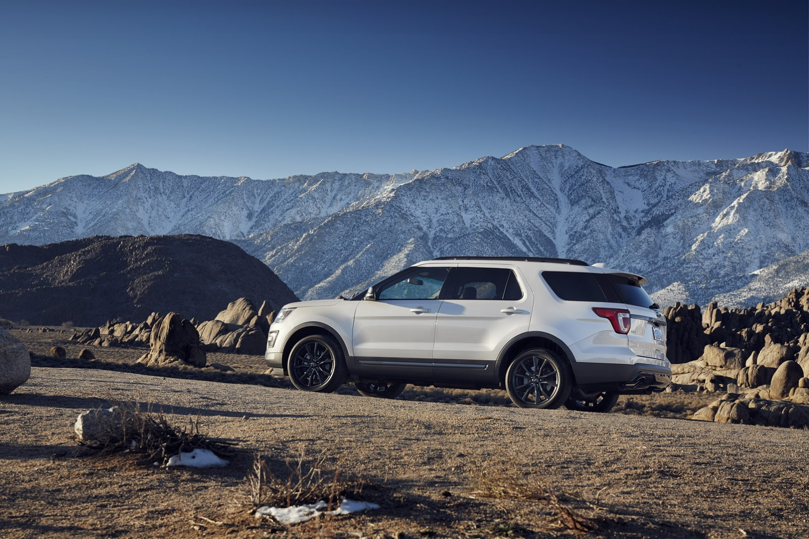 2017 ford explorer xlt sport appearance package revealed ahead of chicago debut_3 2016 explorer fuse box 2003 explorer fuse box \u2022 wiring diagrams  at gsmx.co