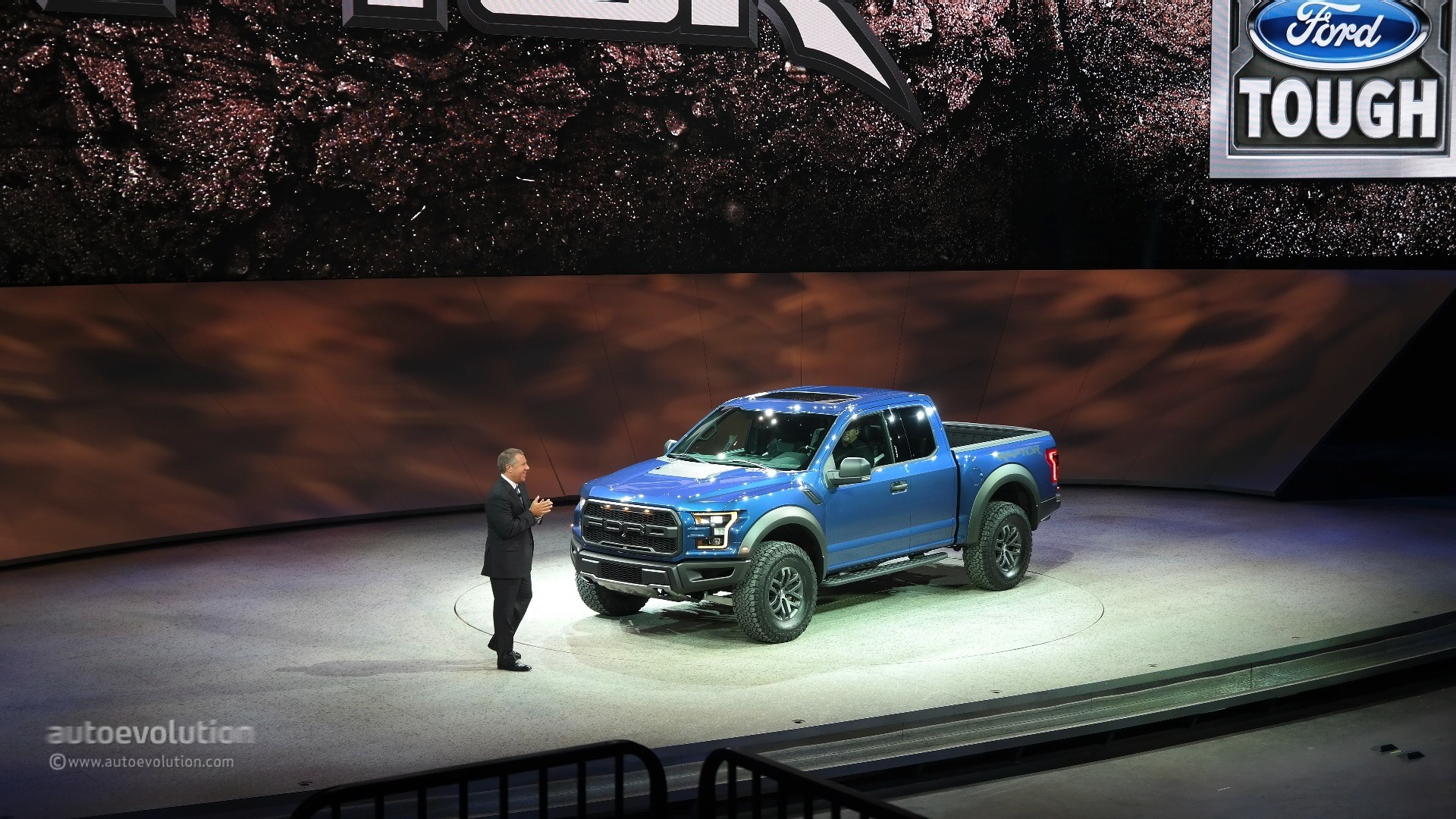 2017 Ford F 150 Raptor Debuts At Detroit Feels More