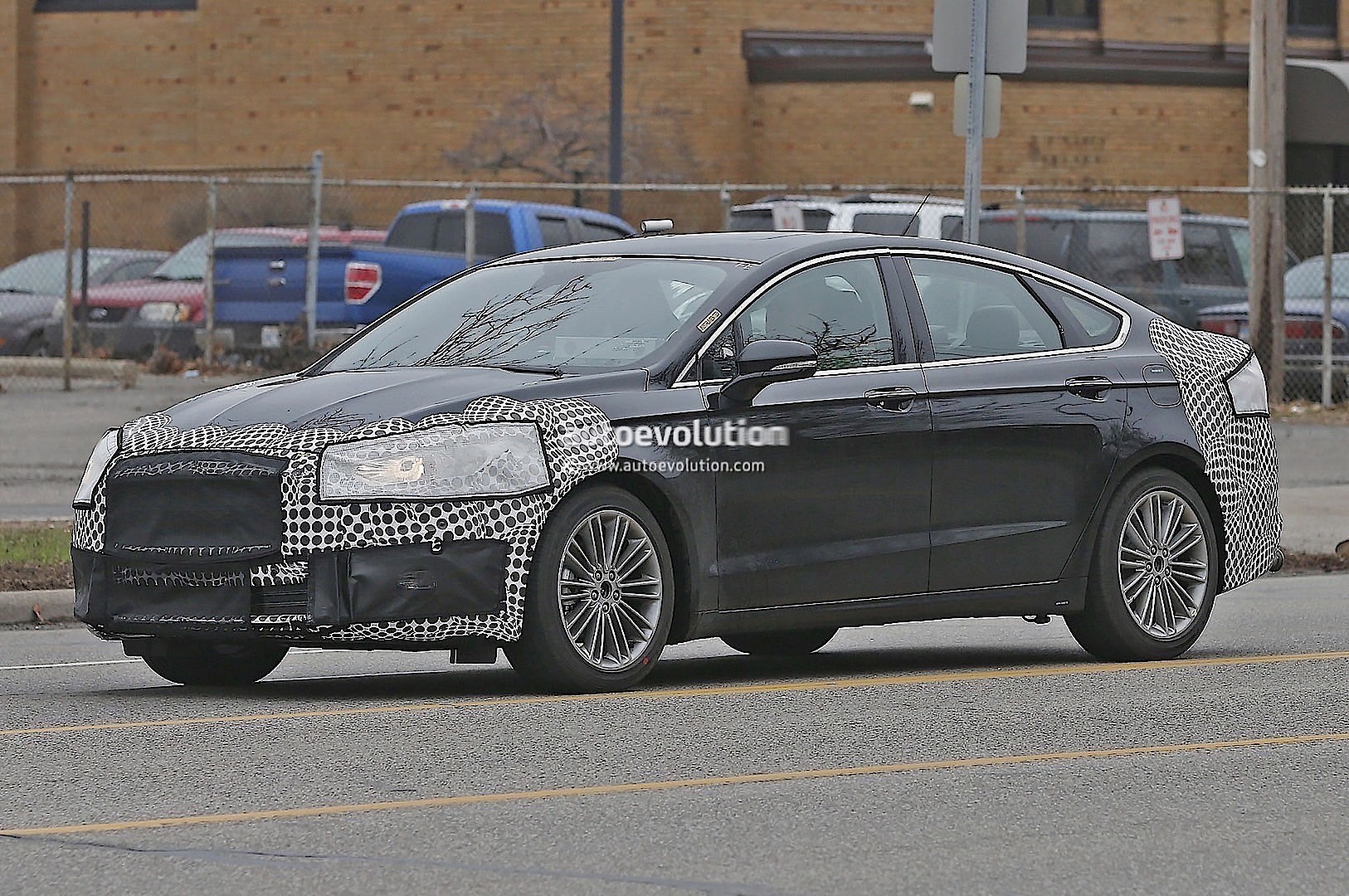 2017 ford fusion mondeo facelift spied during city. Black Bedroom Furniture Sets. Home Design Ideas