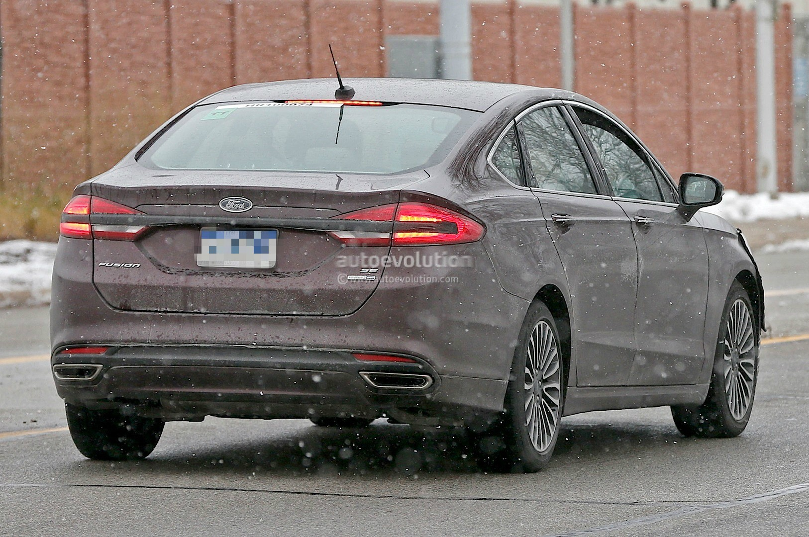 2017 ford fusion mondeo loses some camo spyshots show. Black Bedroom Furniture Sets. Home Design Ideas