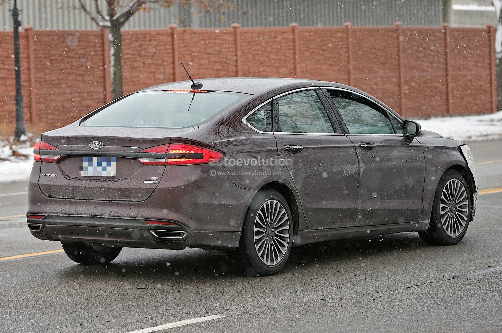 2017 ford fusion mondeo loses some camo spyshots show rear led strip autoevolution. Black Bedroom Furniture Sets. Home Design Ideas