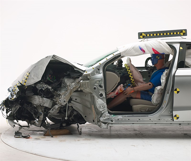 2017 Ford Fusion Excels In IIHS Crash Tests, Receives Top ...