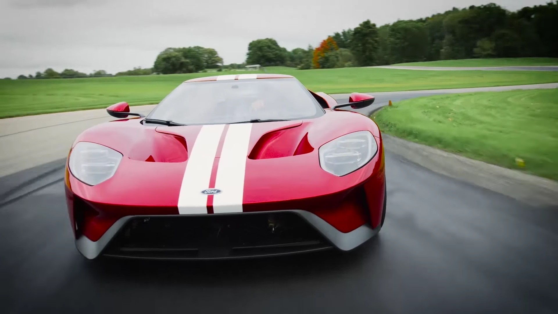 2017 ford gt digital instrument cluster changes style according to
