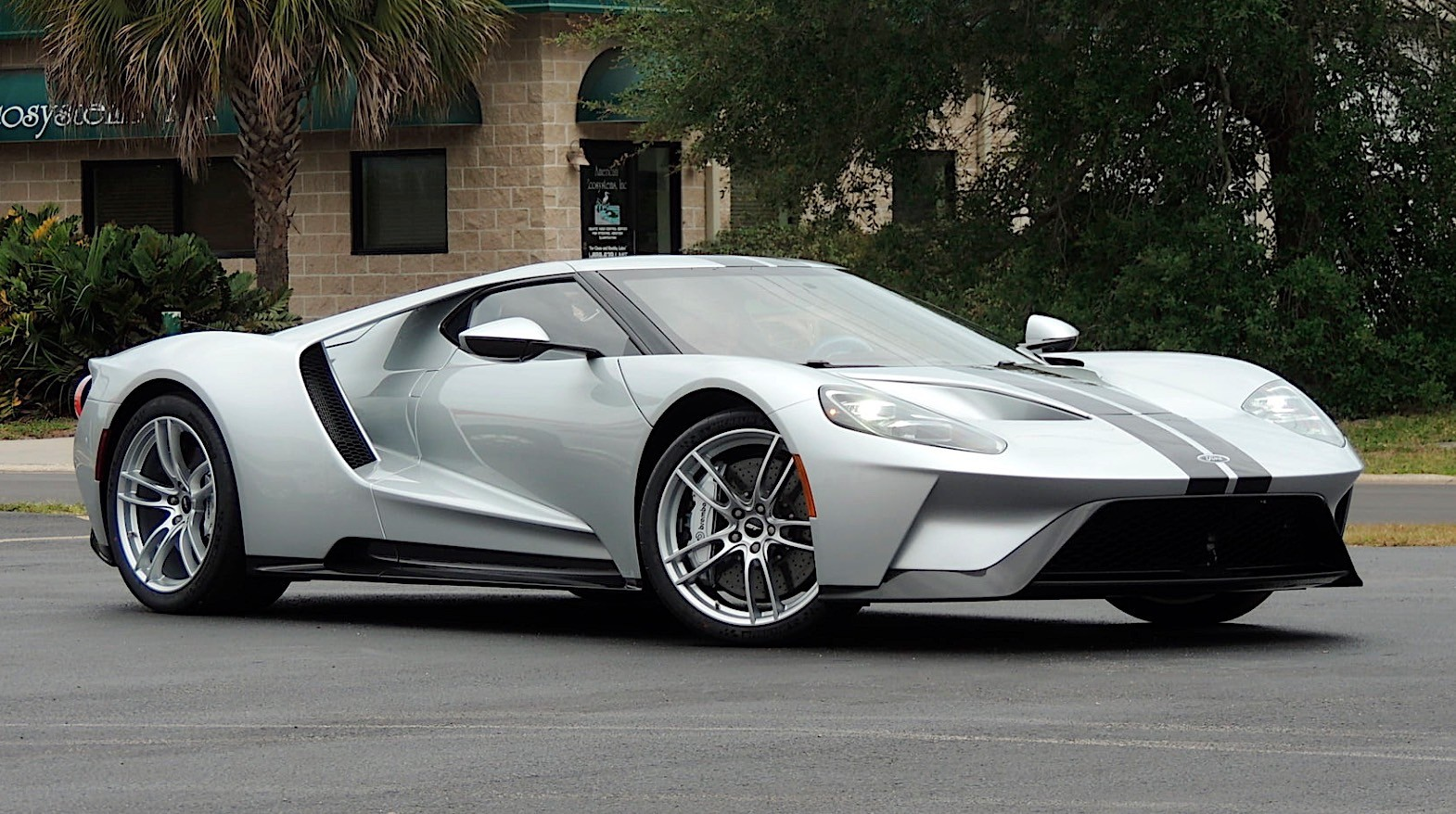2017 ford gt for sale ford sure to have a stroke. Black Bedroom Furniture Sets. Home Design Ideas