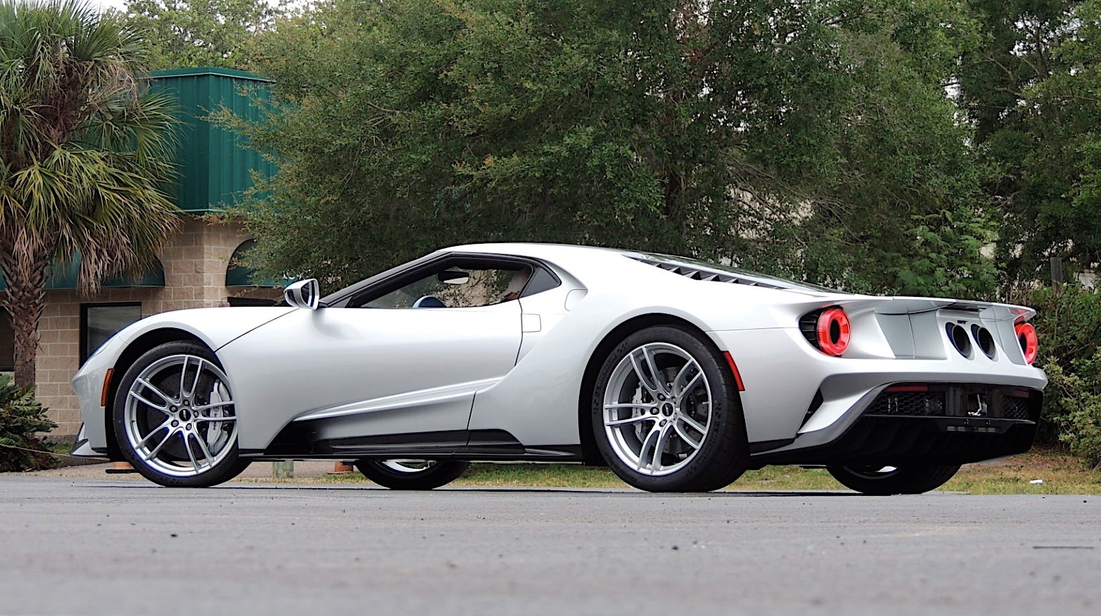 Ford gt for sale on mecum website