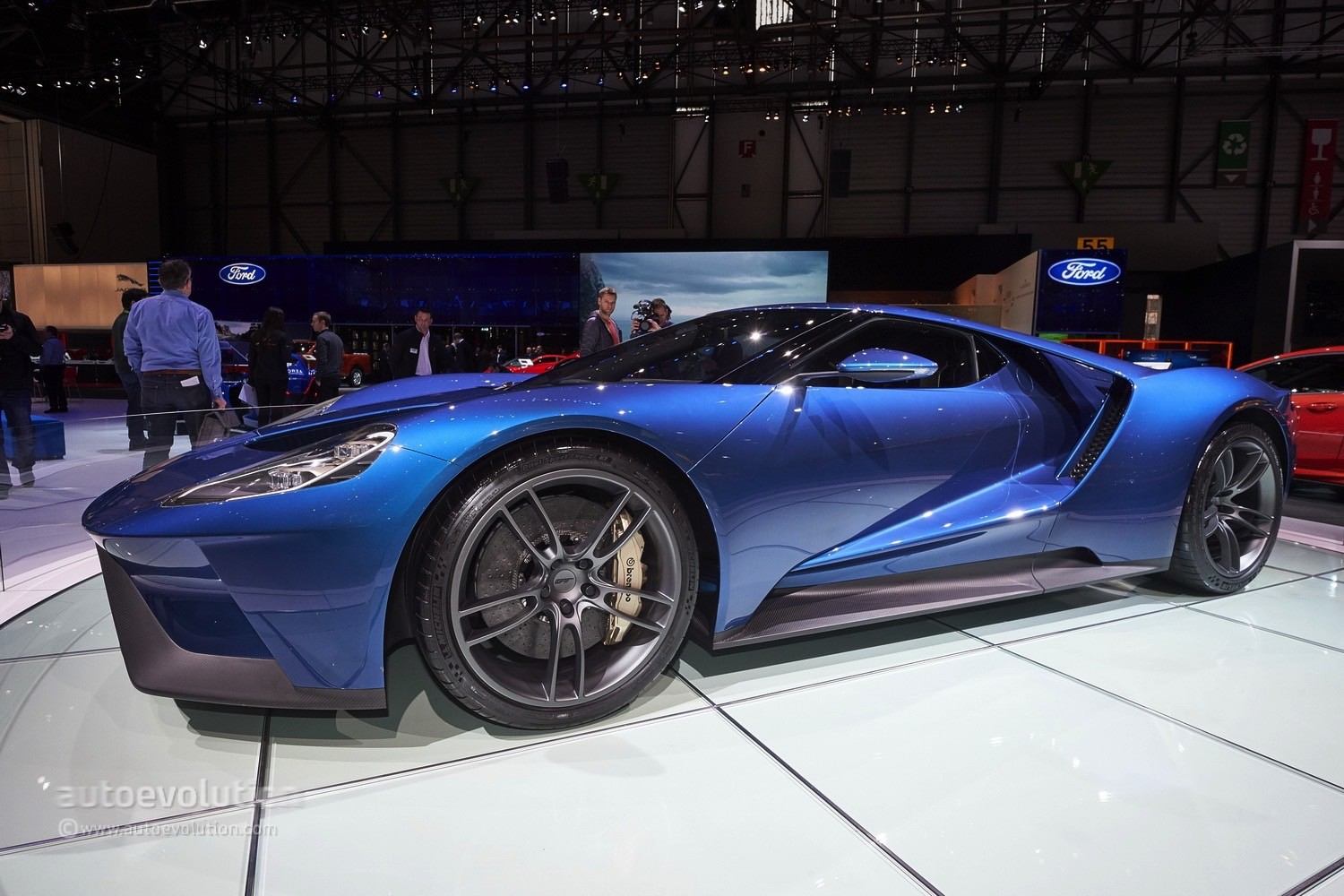 2017 Ford GT Makes Jaws Drop at the Geneva Motor Show - Video, Live ...