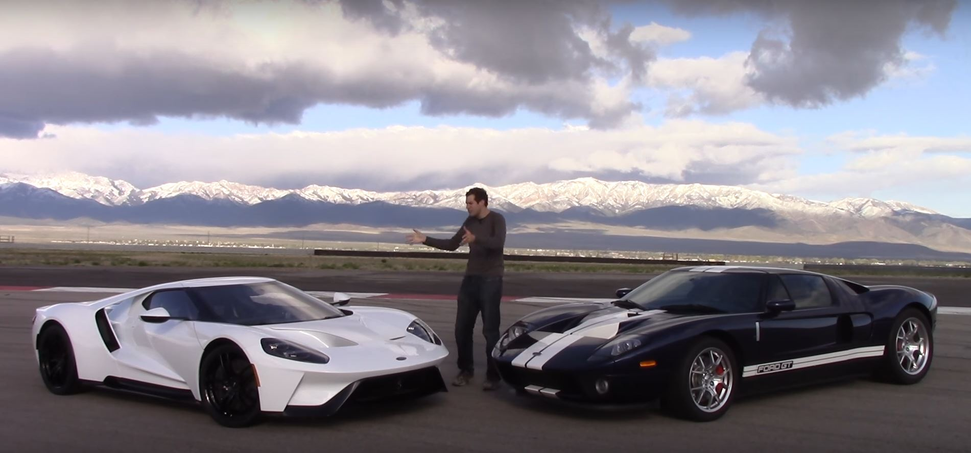 Ford Gt Vs Ford Gt Is An American Supercar Evolution
