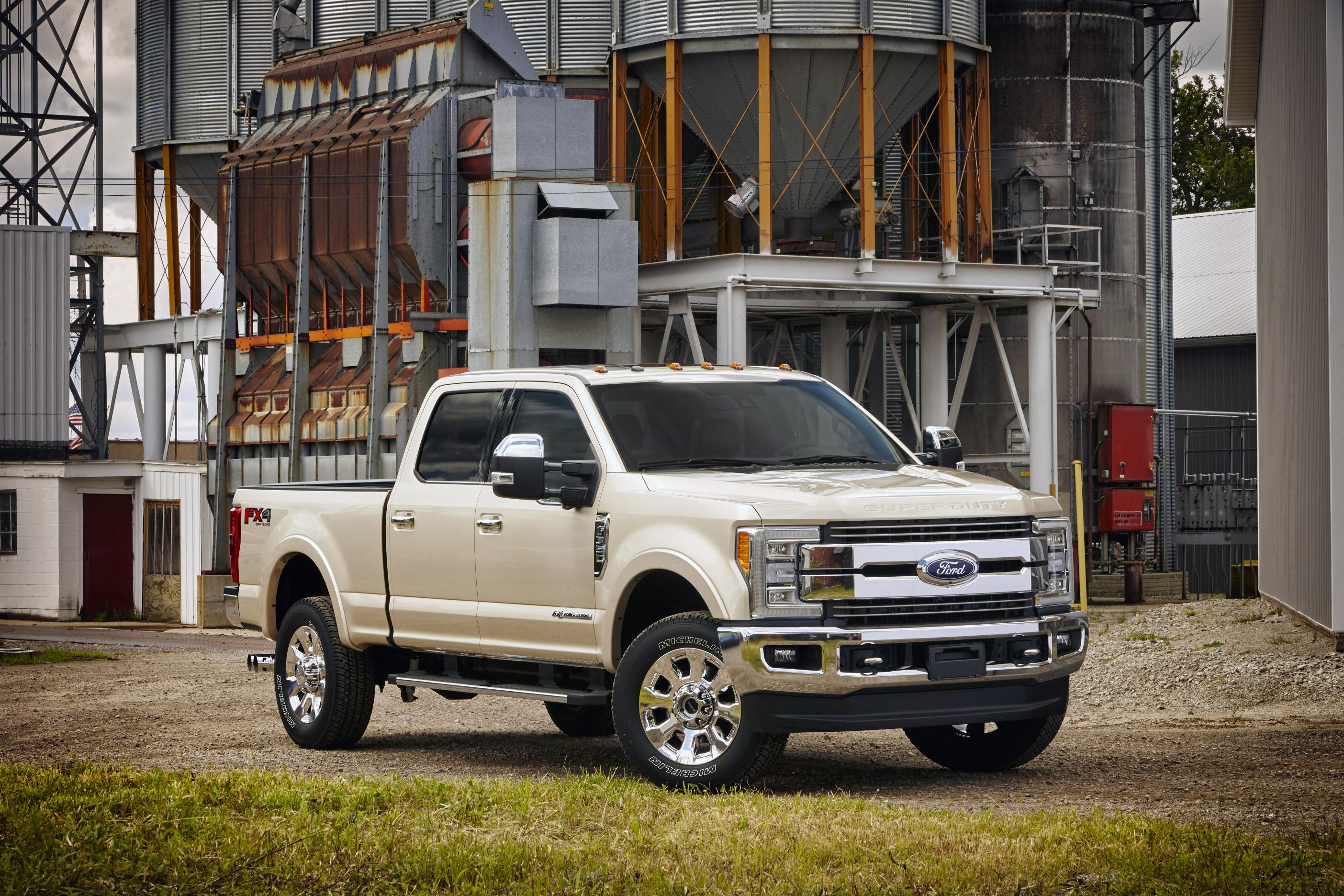 2017 ford super duty is just as expected video photo gallery. Black Bedroom Furniture Sets. Home Design Ideas