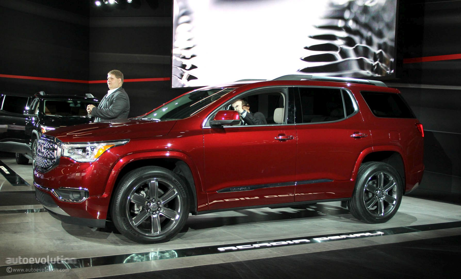 2017 gmc acadia uses detroit for downsizing denali and all terrain offered autoevolution. Black Bedroom Furniture Sets. Home Design Ideas