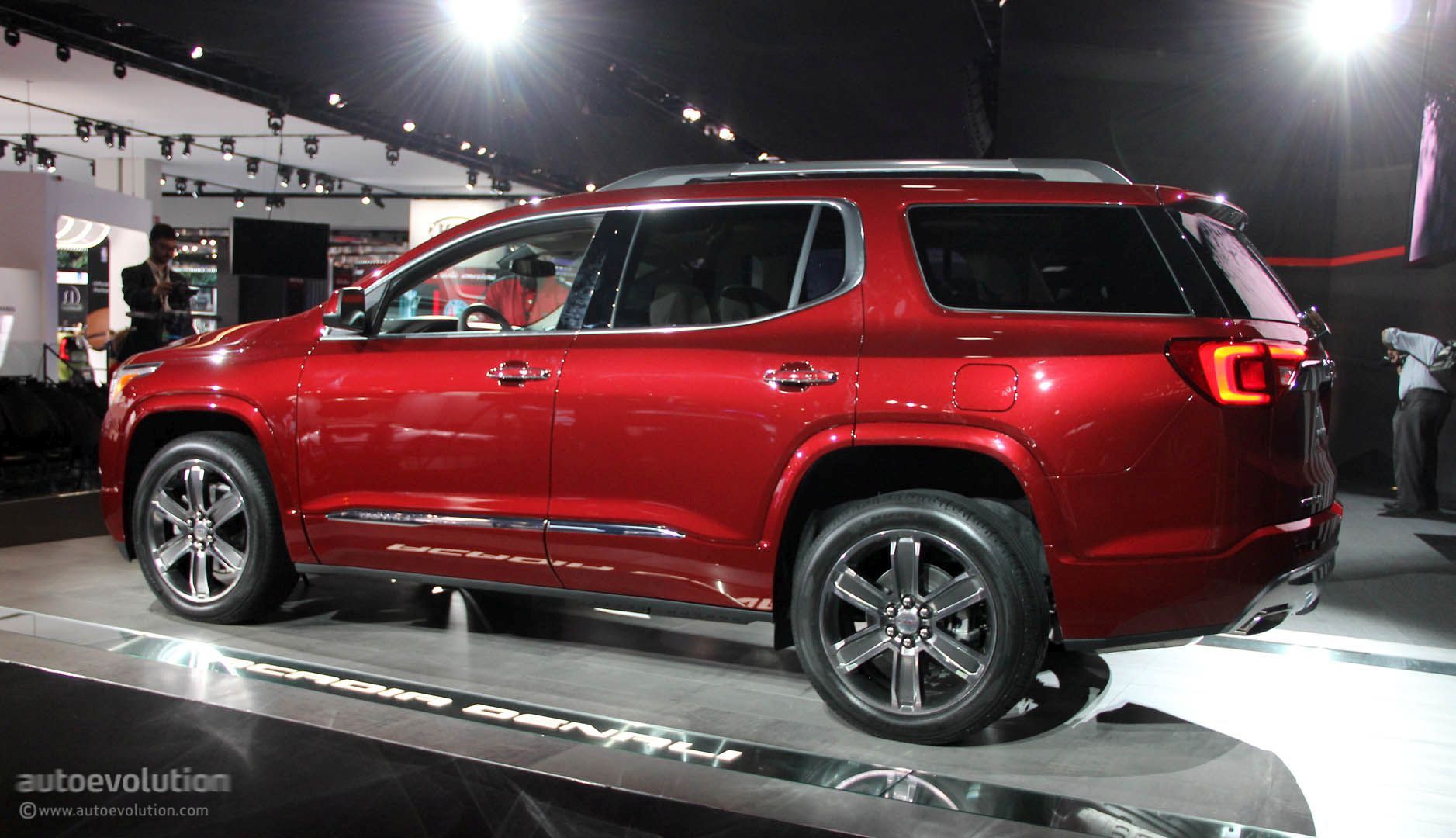 2017 gmc acadia uses detroit for downsizing denali and all terrain 2017 2018 best cars reviews. Black Bedroom Furniture Sets. Home Design Ideas