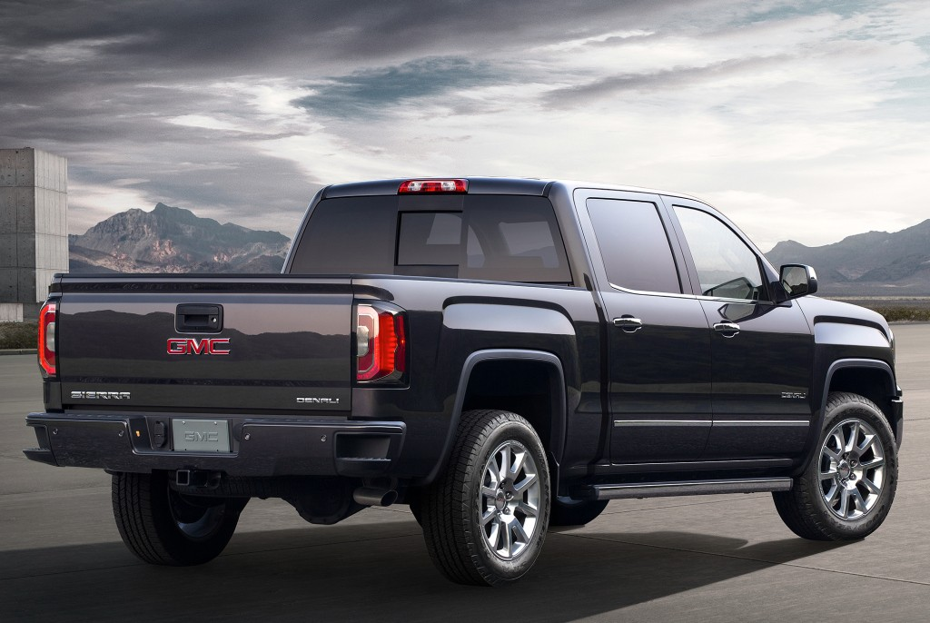 gmc sierra 1500 and gmc sierra 1500 denali get enhanced for the 2017 model year autoevolution. Black Bedroom Furniture Sets. Home Design Ideas