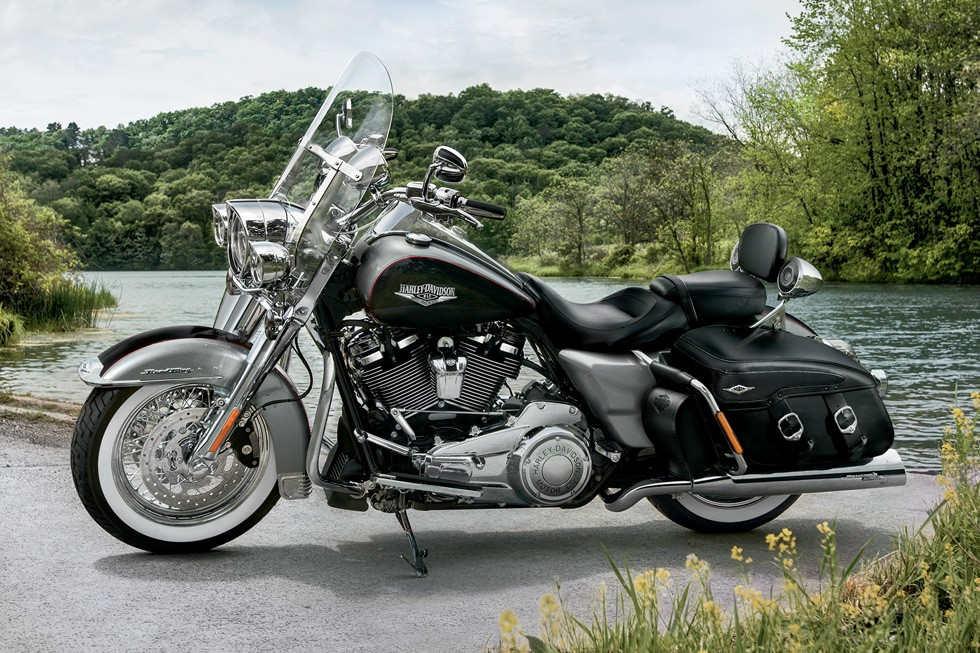 2017 harley davidson touring range gets updated. Black Bedroom Furniture Sets. Home Design Ideas