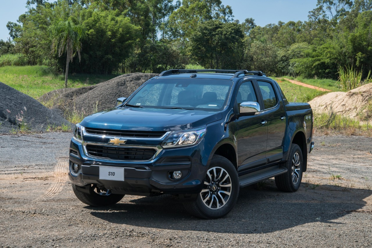 Awesome 2017 Holden Colorado Previewed By 2017 Chevrolet S10  Autoevolution