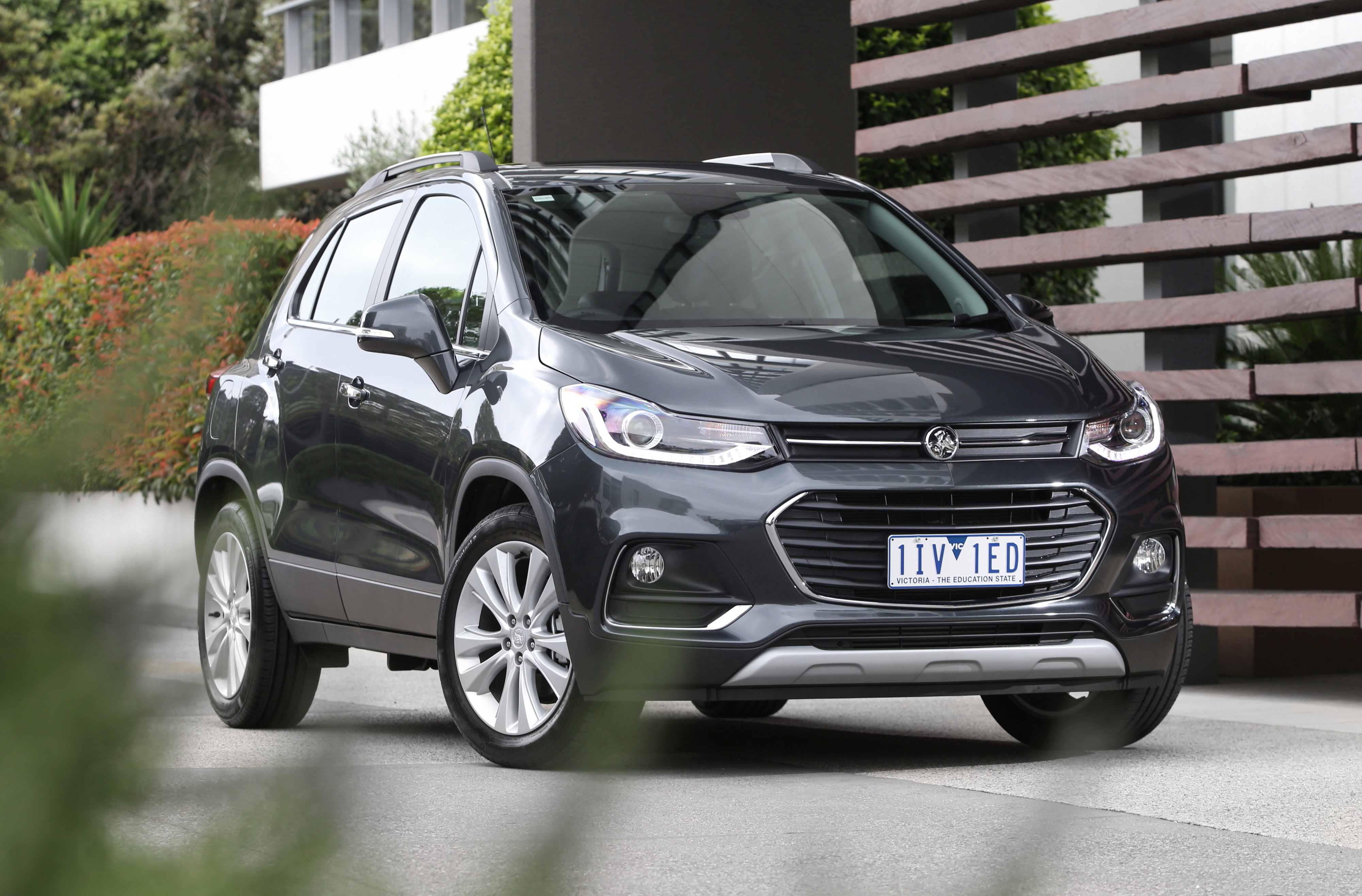 2017 holden trax now available to order starts from aud 23 990 autoevolution. Black Bedroom Furniture Sets. Home Design Ideas
