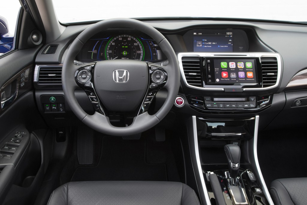 2017 Honda Accord Hybrid Gets More Horsepower, Better Efficiency ...