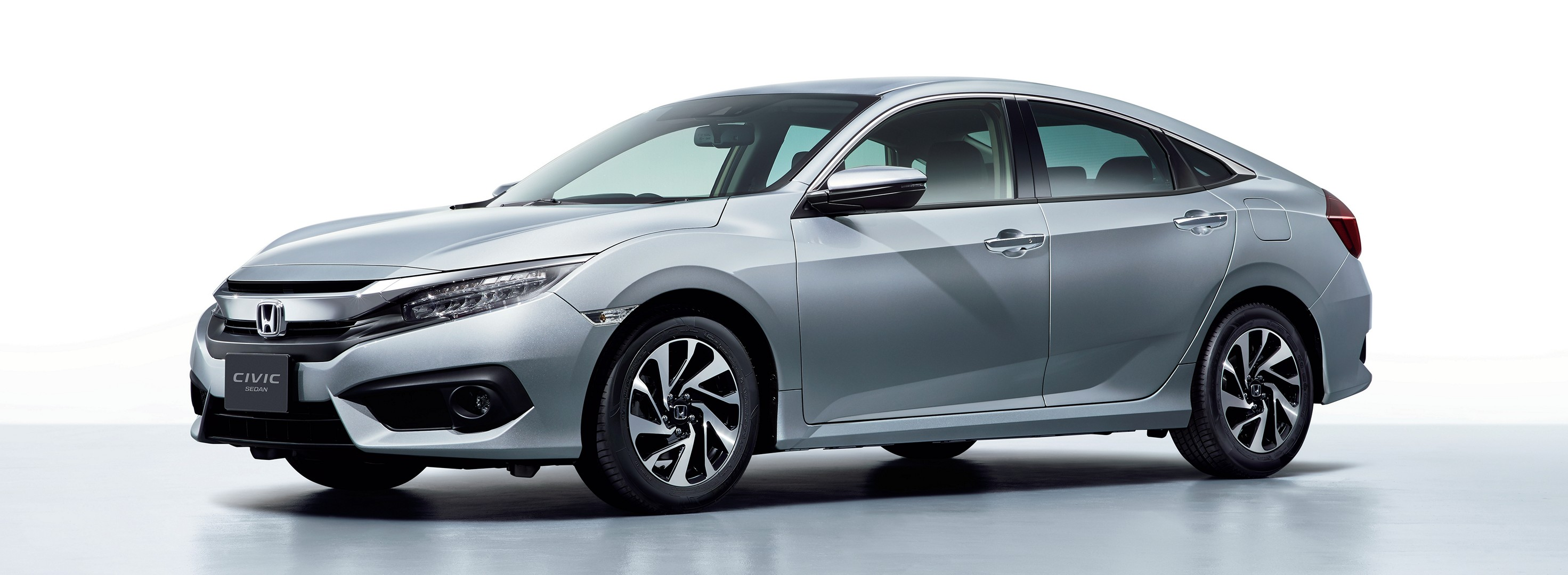 https://s1.cdn.autoevolution.com/images/news/gallery/2017-honda-civic-hatch-and-sedan-launched-in-japan_3.jpg
