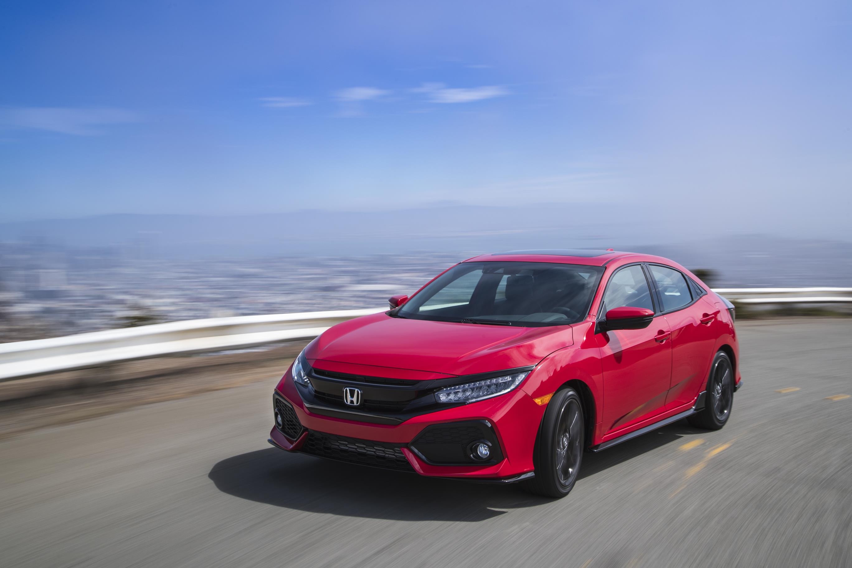2017 honda civic hatchback arrives in america specs and pricing revealed autoevolution. Black Bedroom Furniture Sets. Home Design Ideas