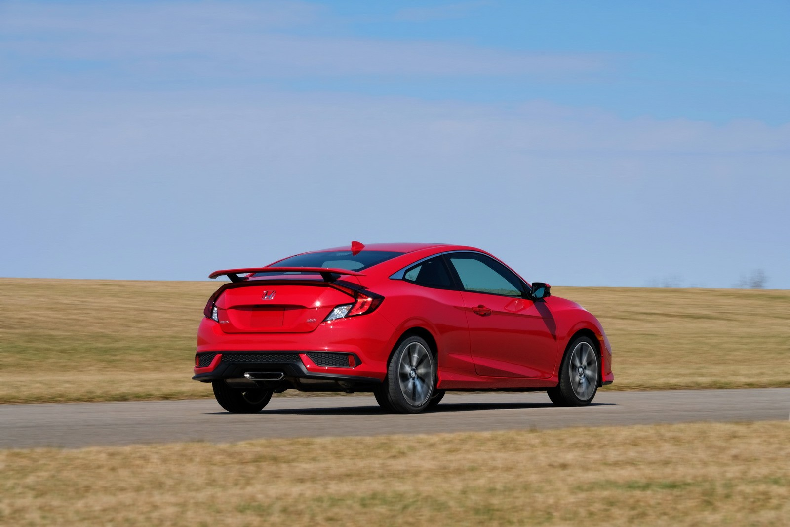 2017 honda civic si plugs the gap with 24 775 price tag for 2017 honda civic cost
