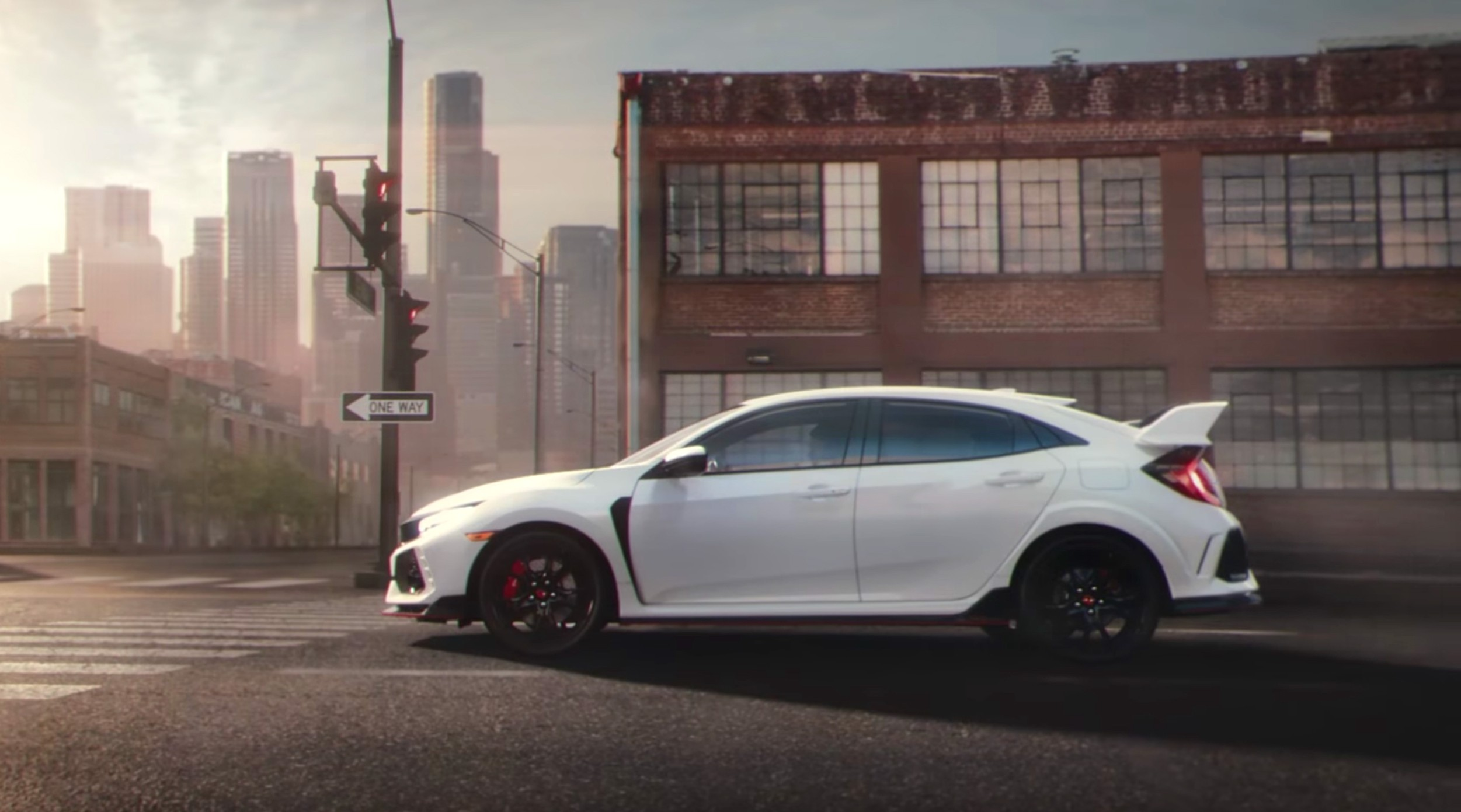 2017 honda civic type r and civic si transform in their first ad autoevolution. Black Bedroom Furniture Sets. Home Design Ideas