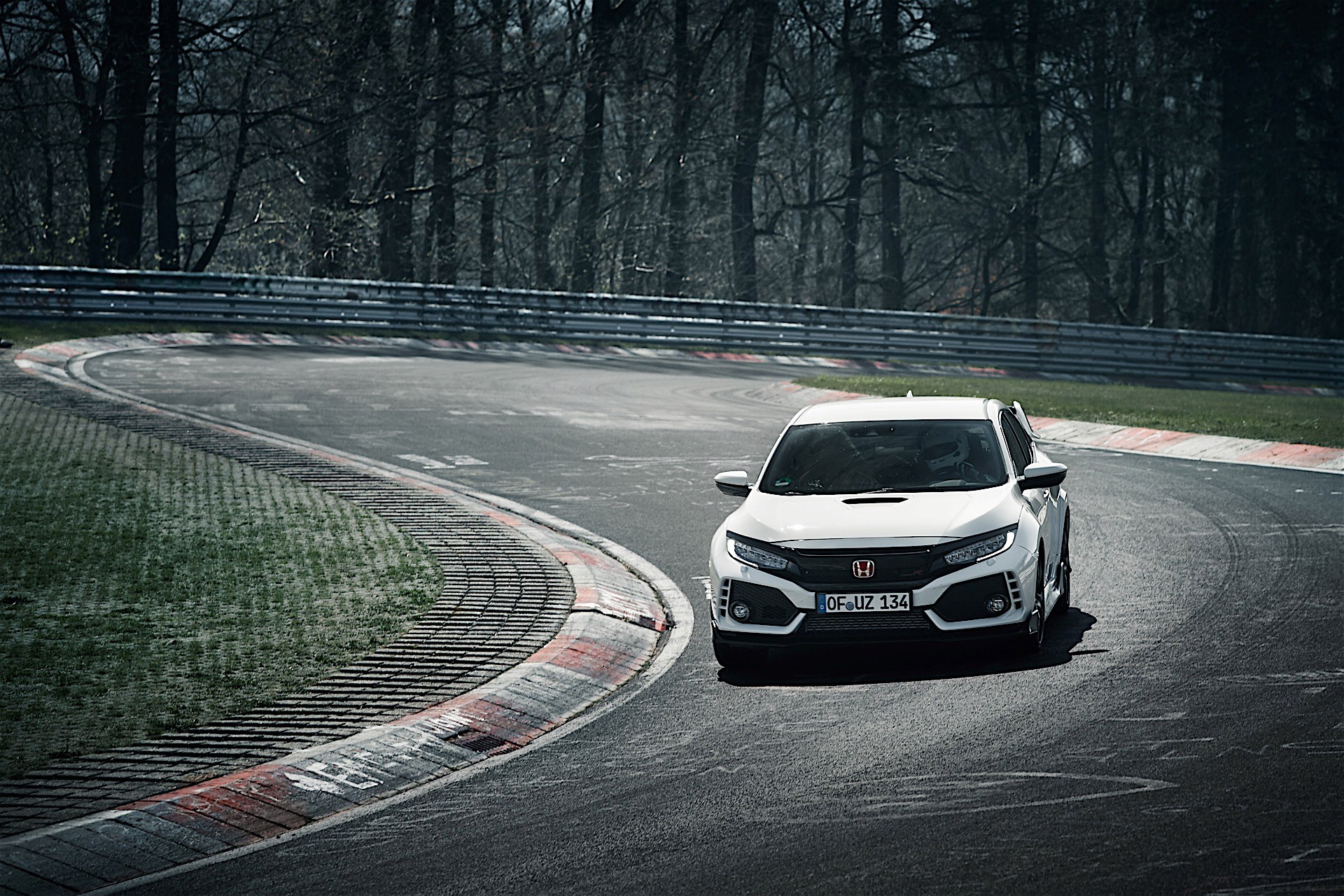 2017 honda civic type r smashes front wheel drive record. Black Bedroom Furniture Sets. Home Design Ideas