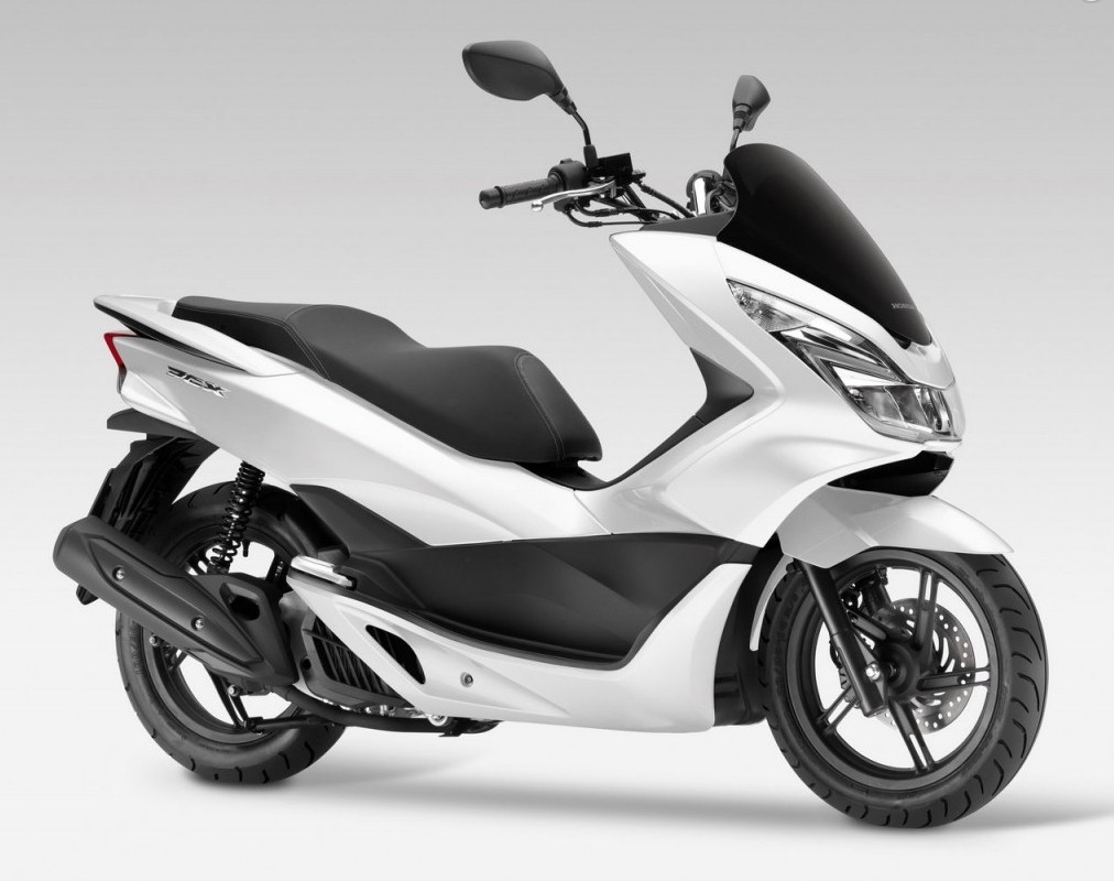 2017 honda pcx125 receives led lights and is euro 4. Black Bedroom Furniture Sets. Home Design Ideas