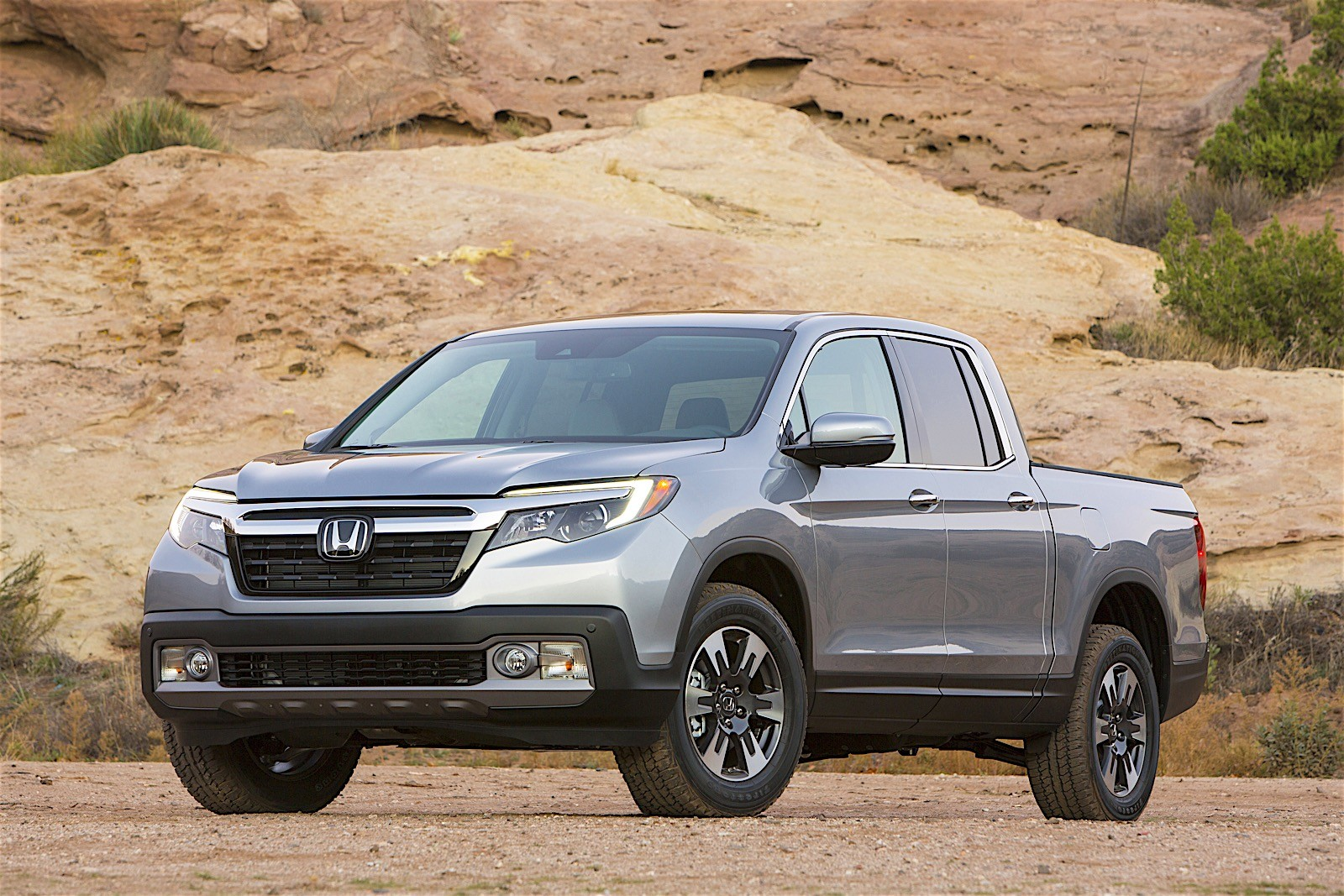 2017 Honda Ridgeline Debuts with Industry-First In-Bed Audio System - autoevolution