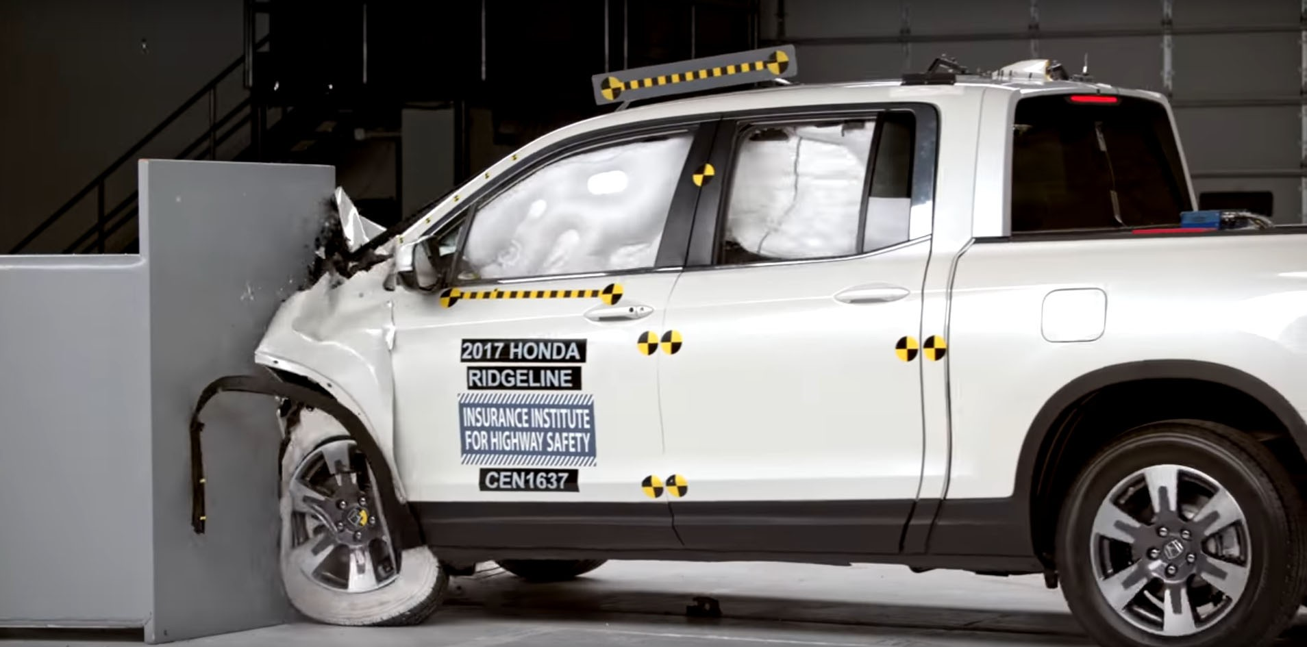 2017 Honda Ridgeline IIHS Crash Test