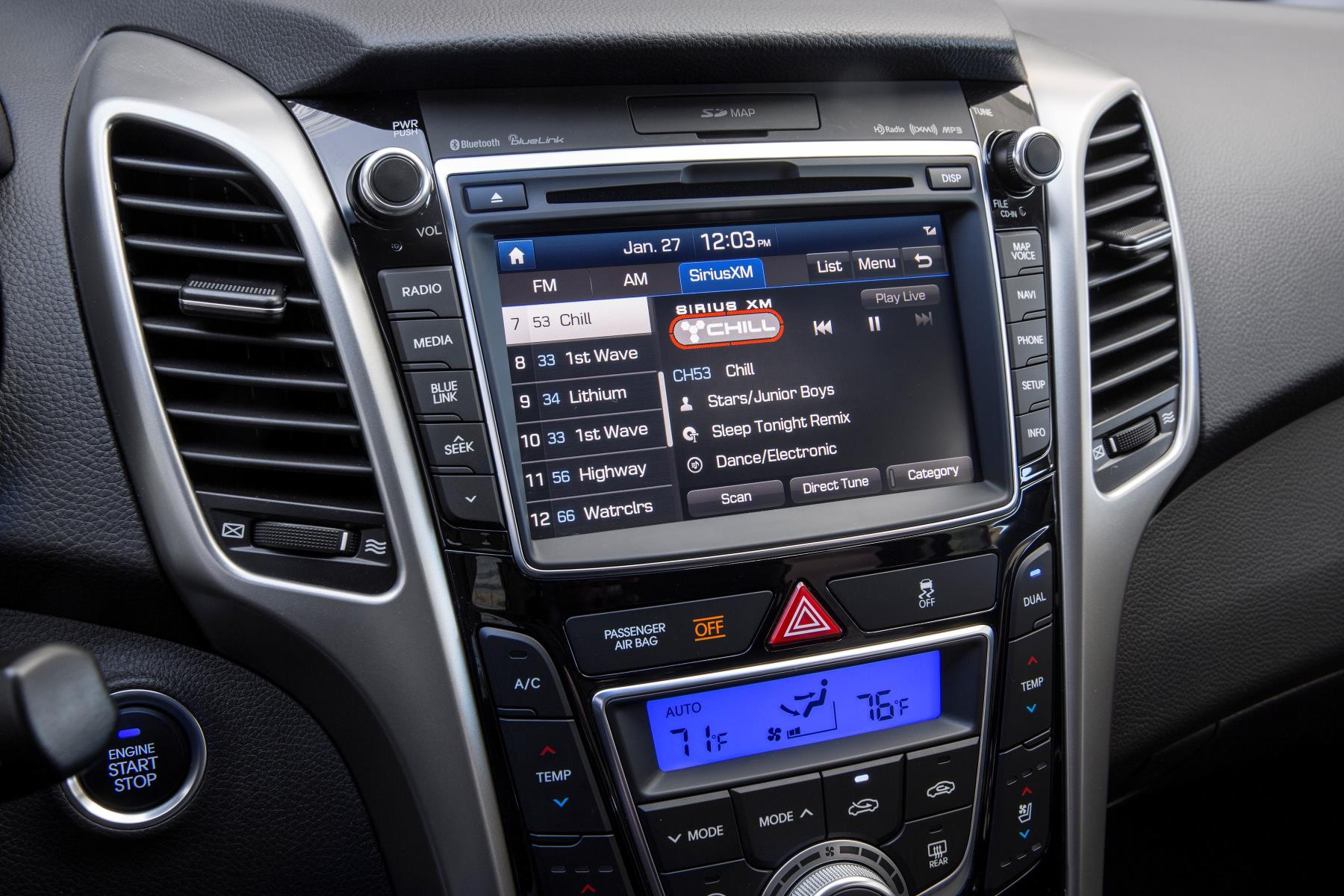 2017 Hyundai Elantra Gt Adds Apple Carplay And Android