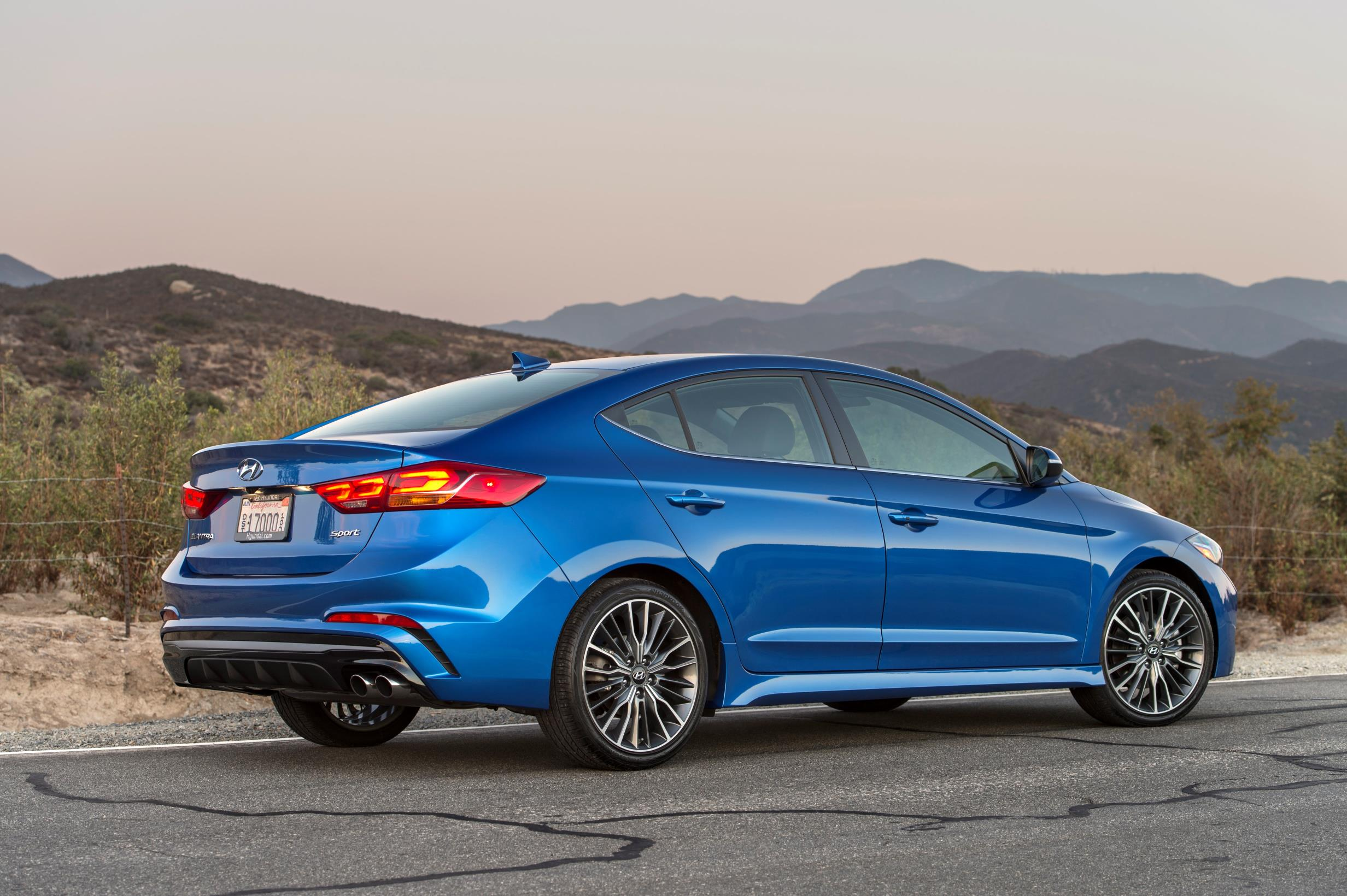 2017 Hyundai Elantra Sport Boasts Irs Turbo Engine