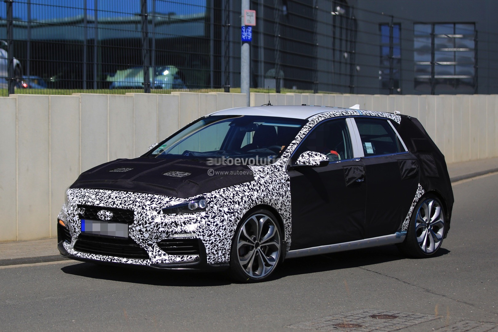2017 hyundai i30 n shows more skin in latest spy shots autoevolution. Black Bedroom Furniture Sets. Home Design Ideas