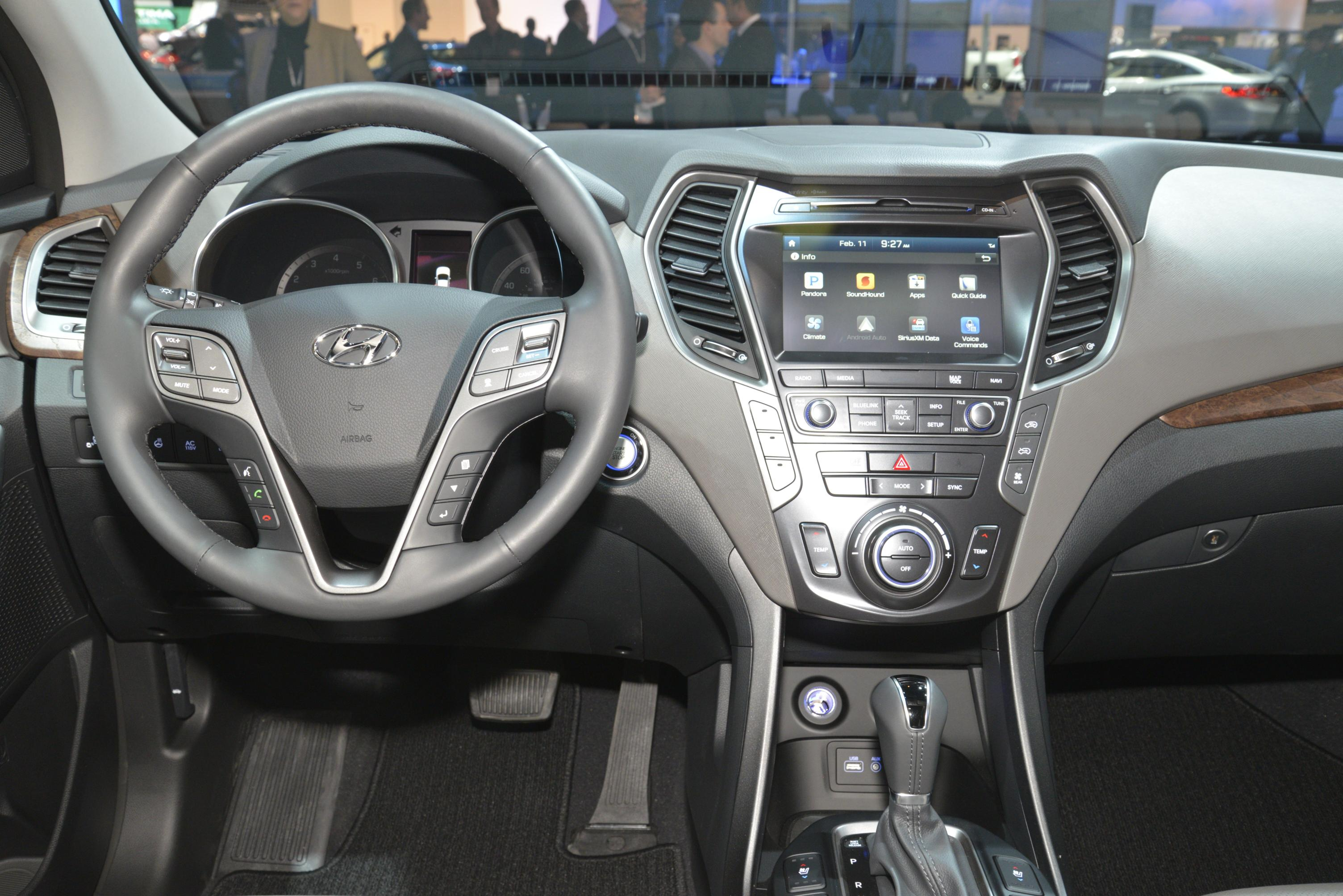 hyundai fe santa interior cruz sport concept facelift thinks suv chicago got dashboard specs crossover remote generation system link autoevolution