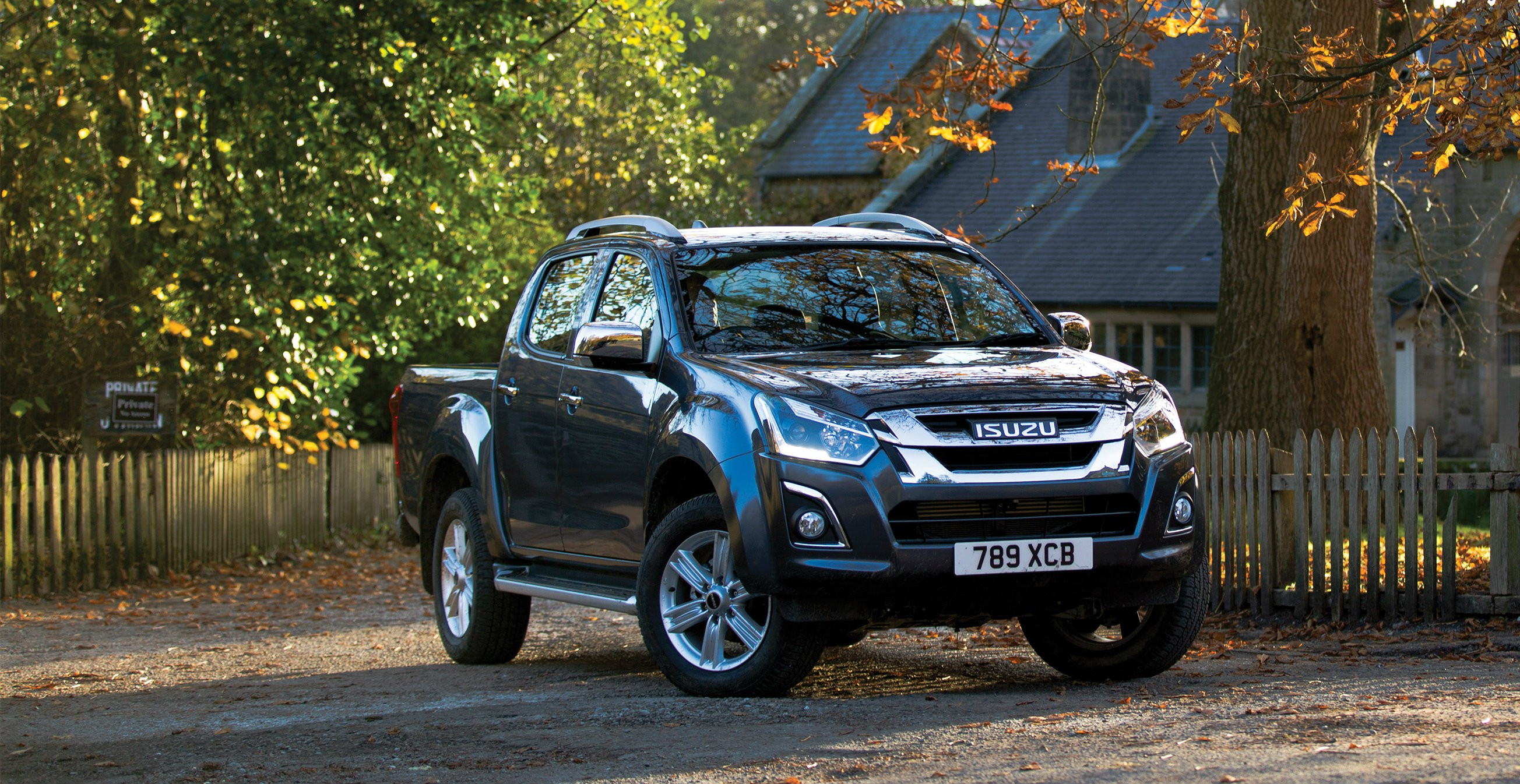 2017 isuzu d max price announced for the uk gbp 15 749 autoevolution. Black Bedroom Furniture Sets. Home Design Ideas