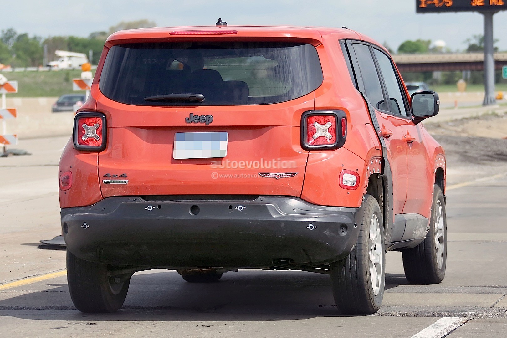 2017 jeep c suv prototype spied wearing renegade body. Black Bedroom Furniture Sets. Home Design Ideas